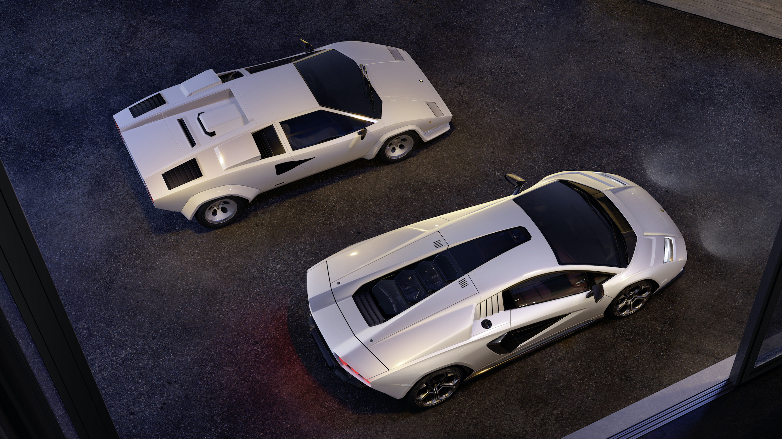 Countach LPI 800 overhead old and new