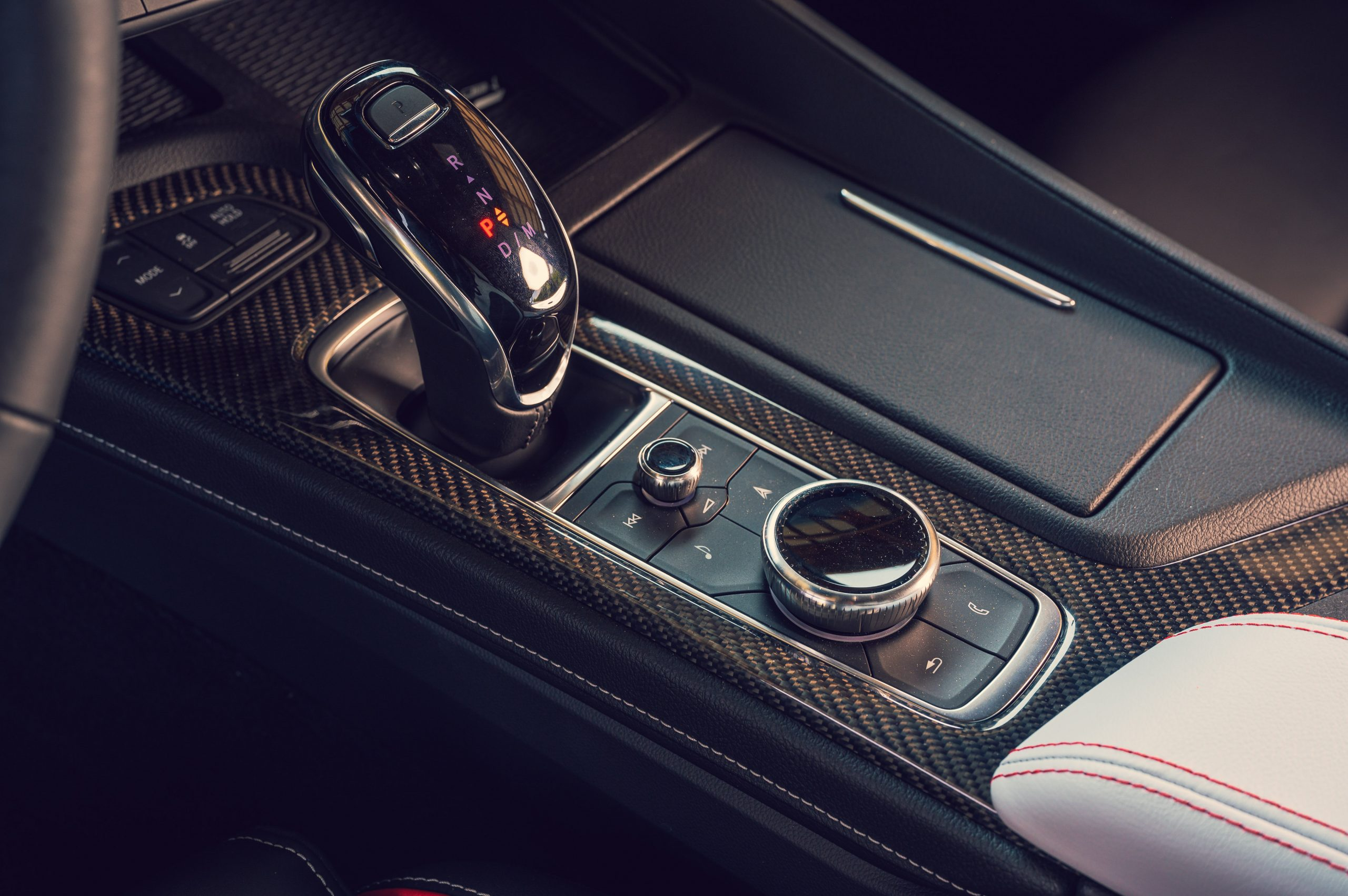 2022 Cadillac CT5-V Blackwing interior center console