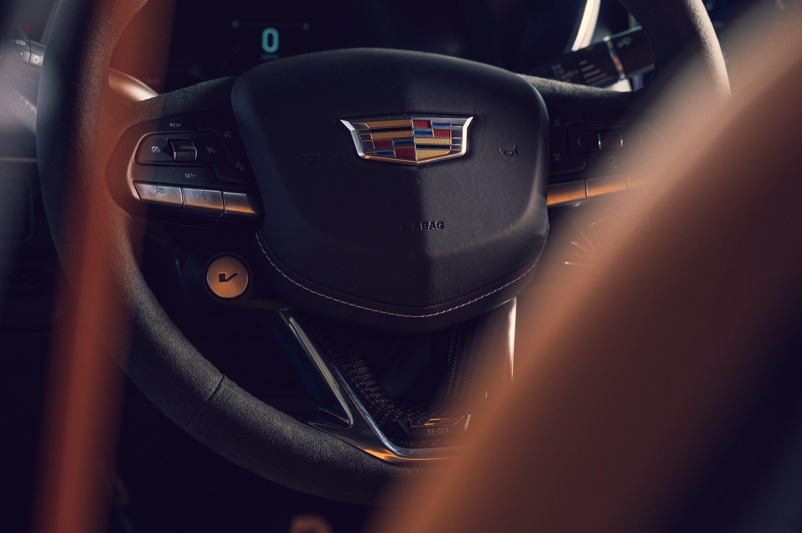 2022 Cadillac CT5-V Blackwing steering wheel