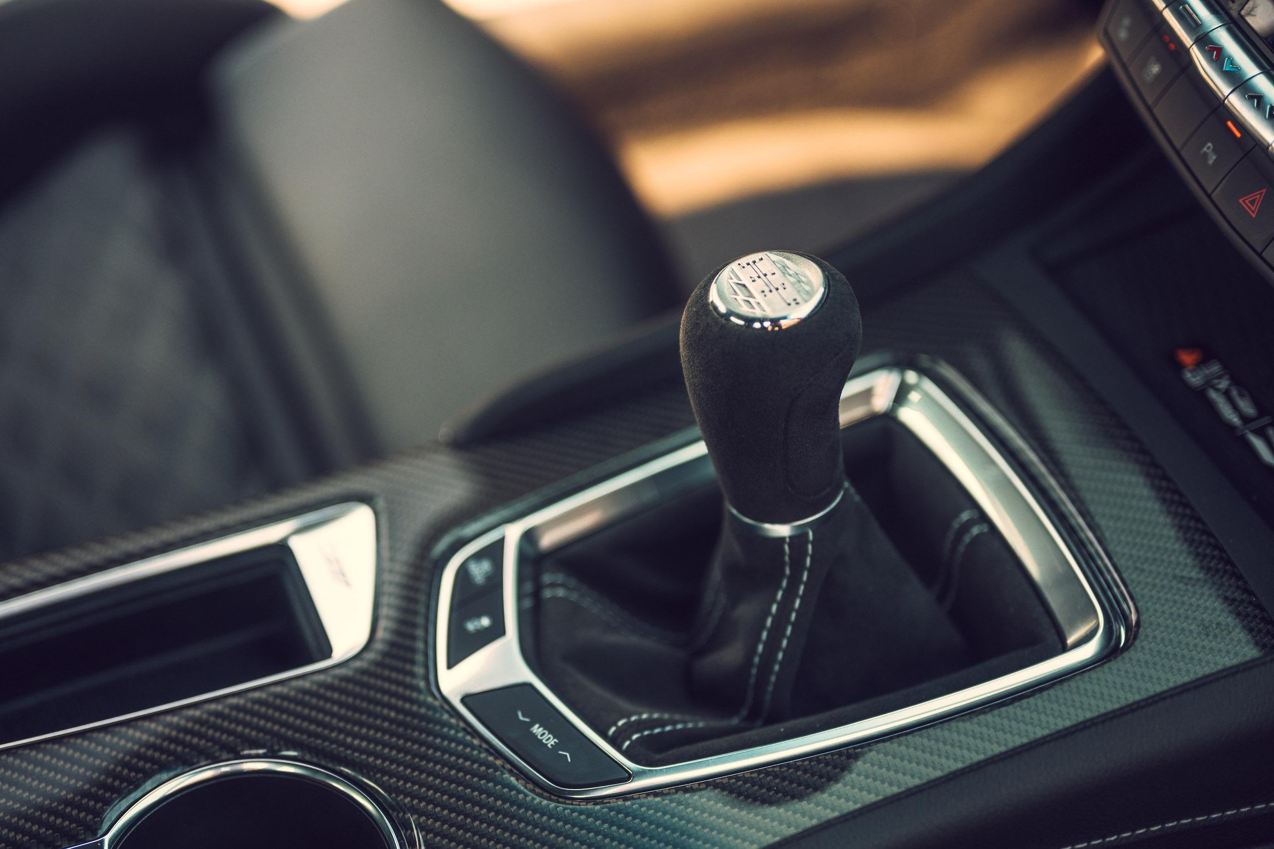 CT4-V Blackwing interior shifter