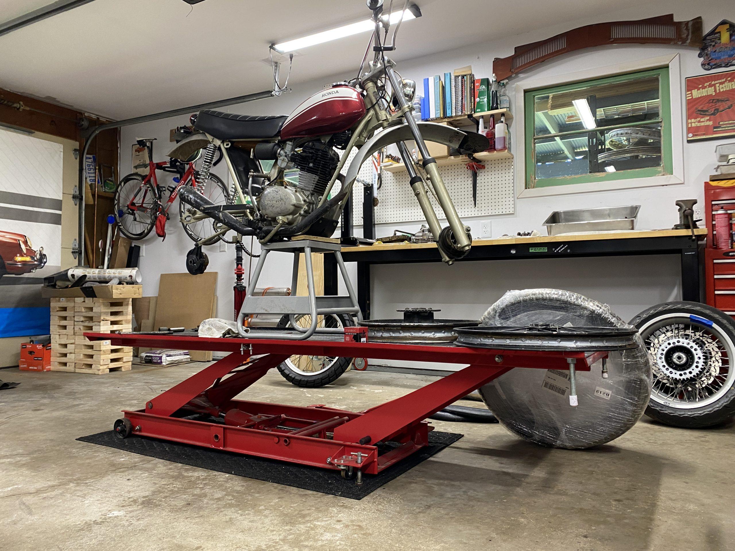 motorcycle lift on wheels