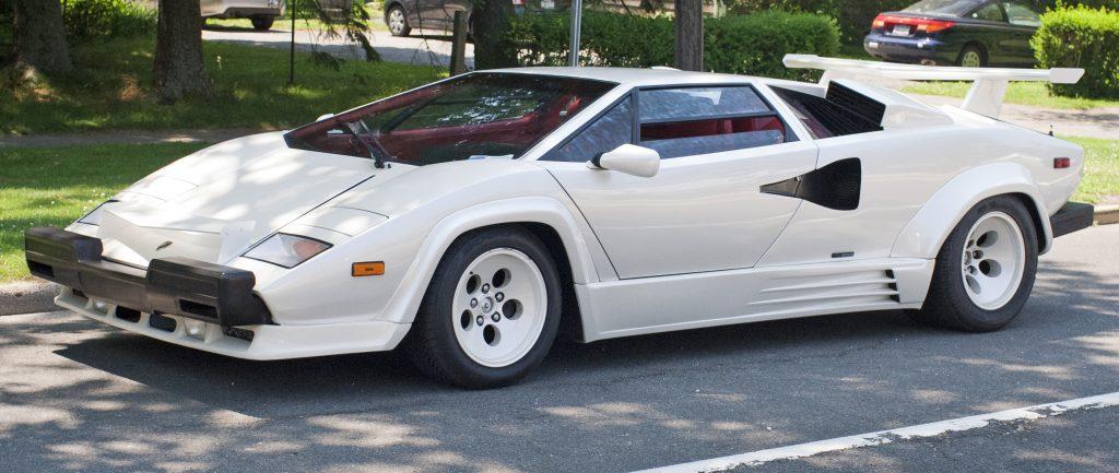 Lamborghini_Countach_US_spec_5000QV