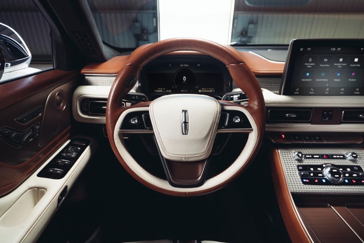 Lincoln Aviator Shinola concept Pebble 2021
