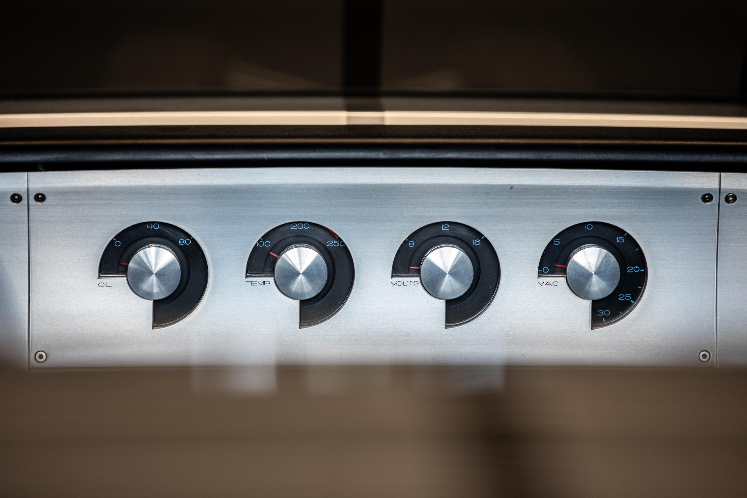 Cobra Concept dash gauges detail