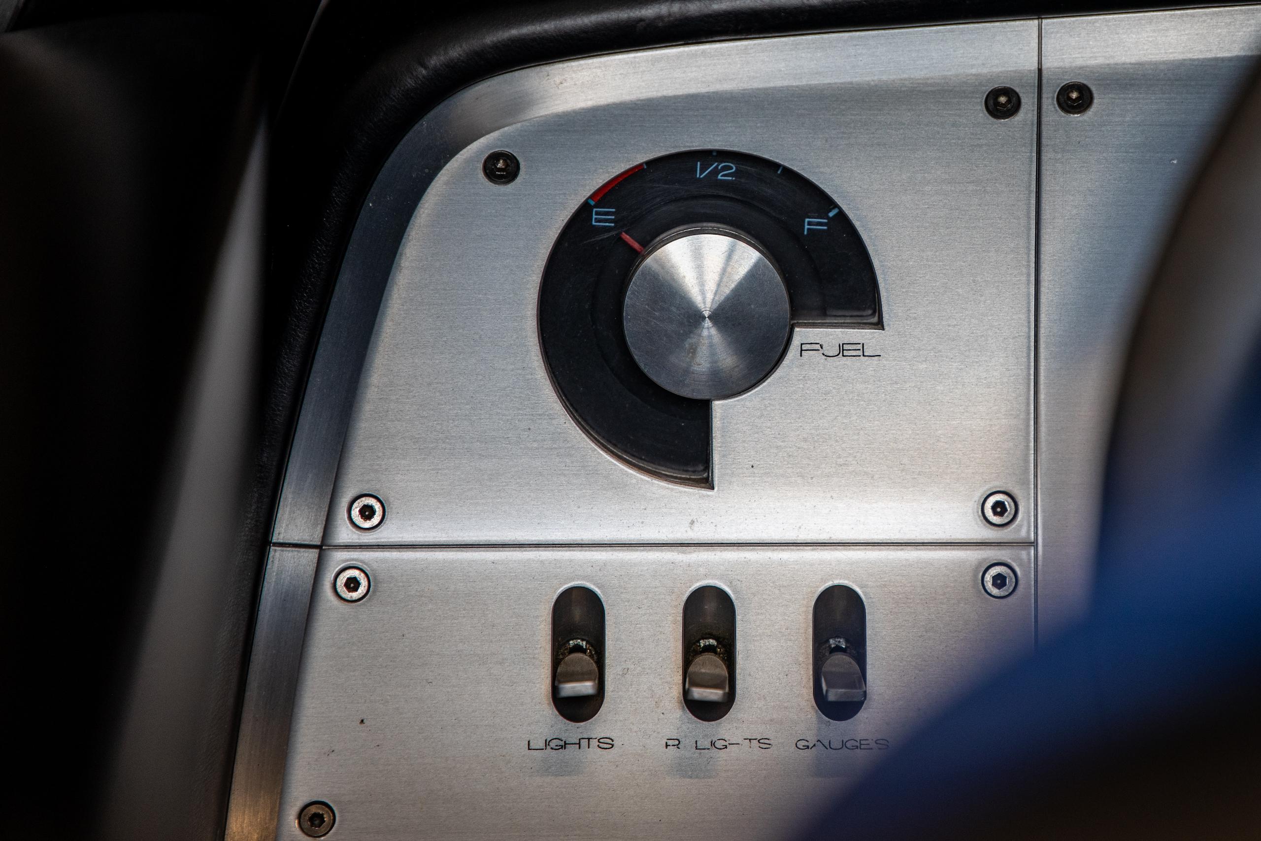Cobra Concept fuel gauge detail