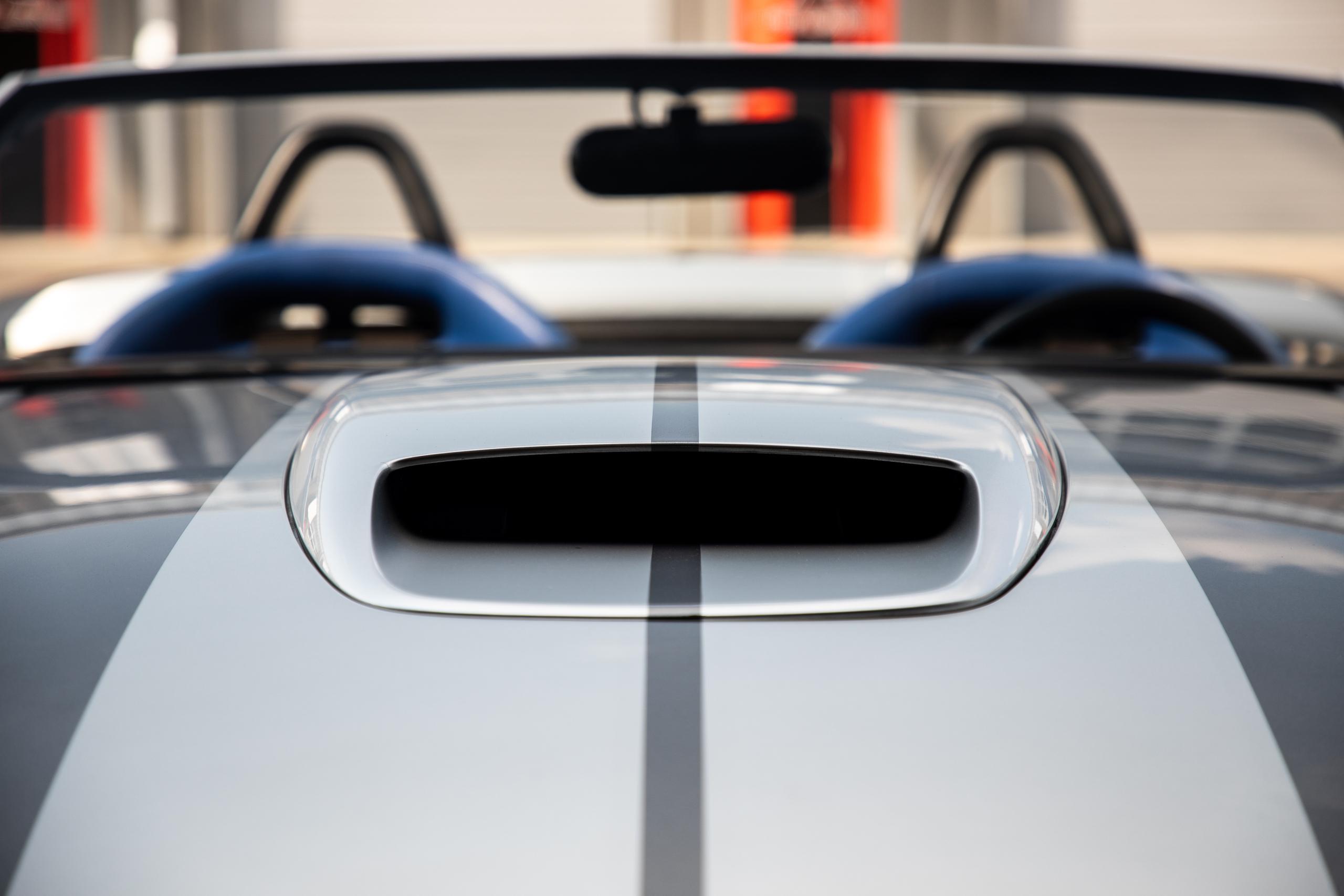 Cobra Concept front scoop vent