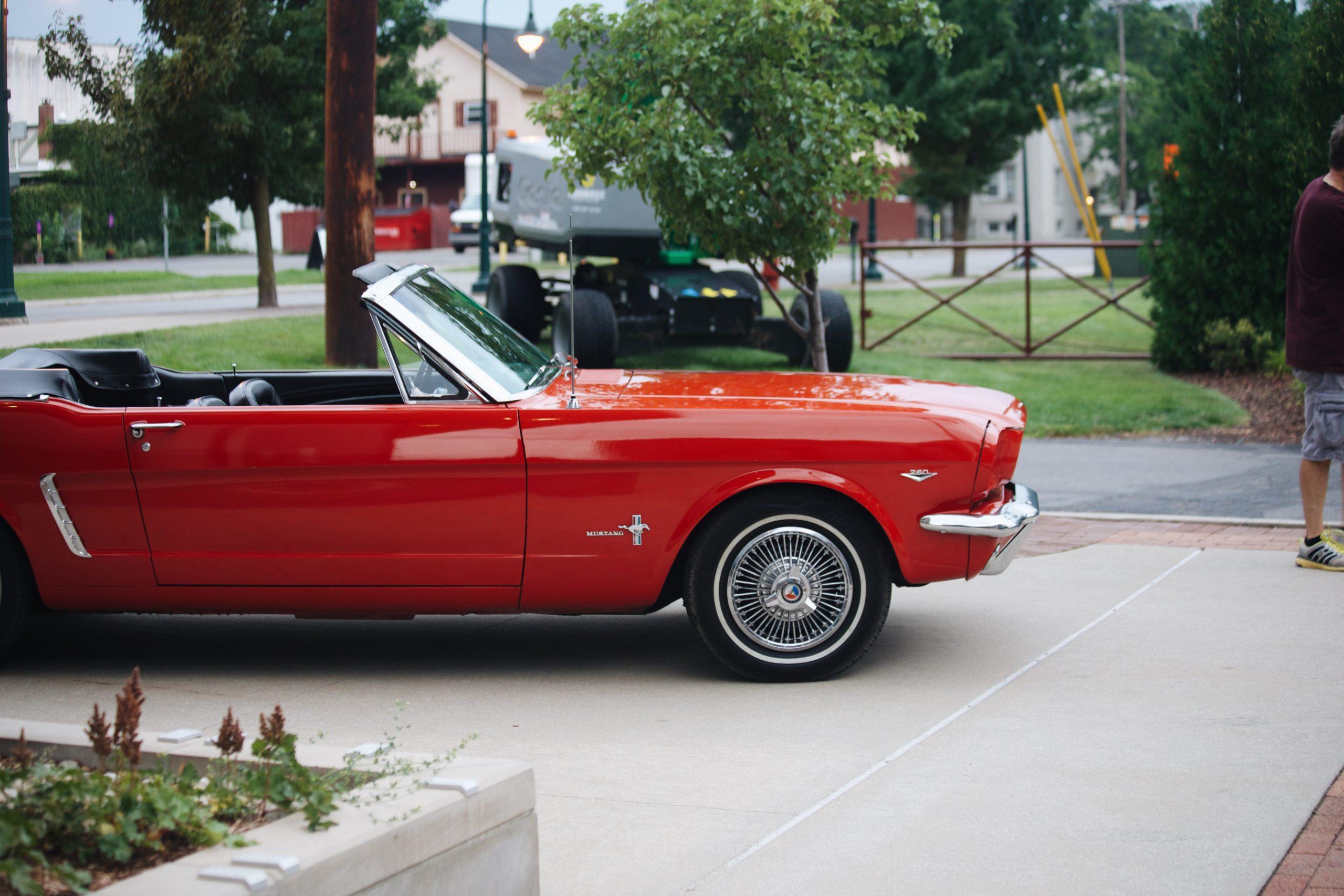 Mel Heppe Mustang front end side profile