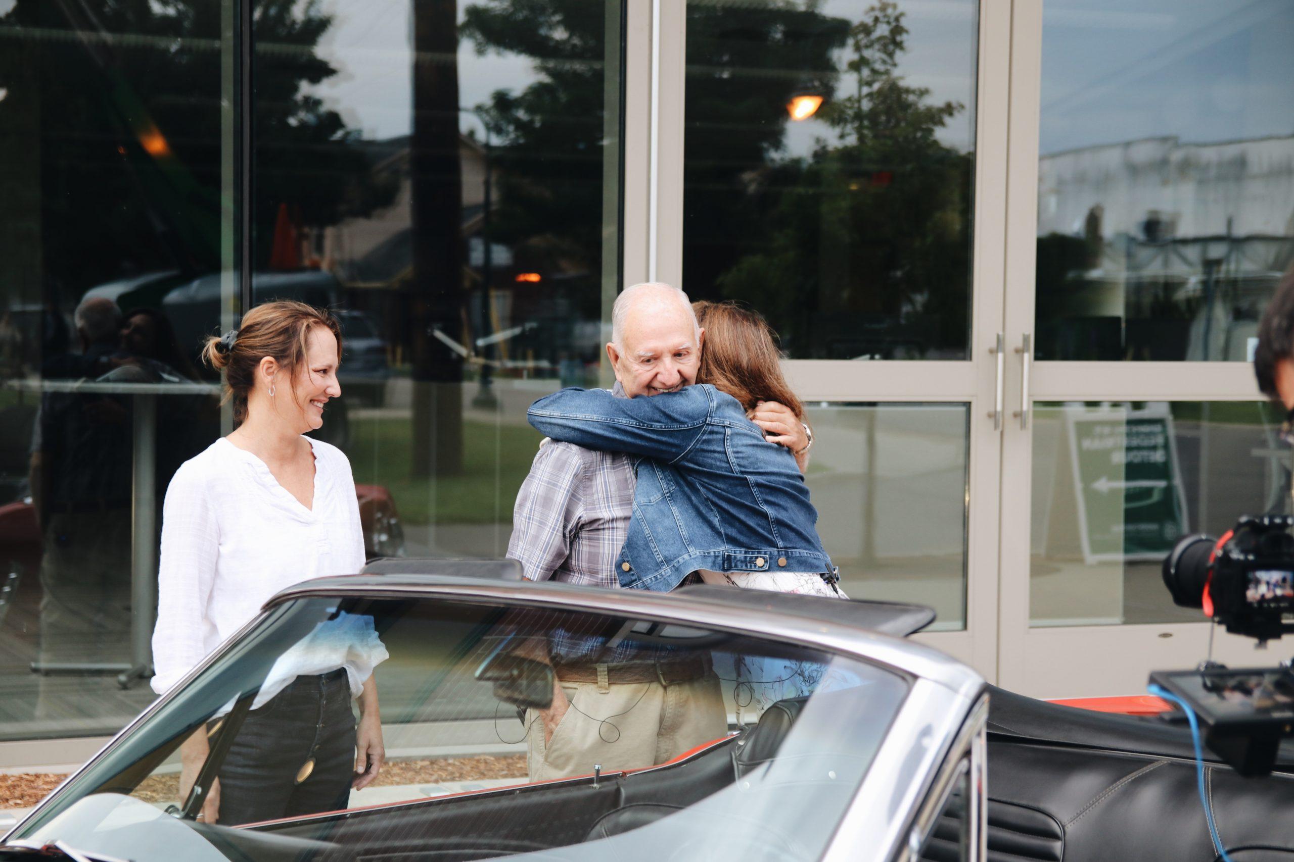 Mel Heppe Mustang hugs