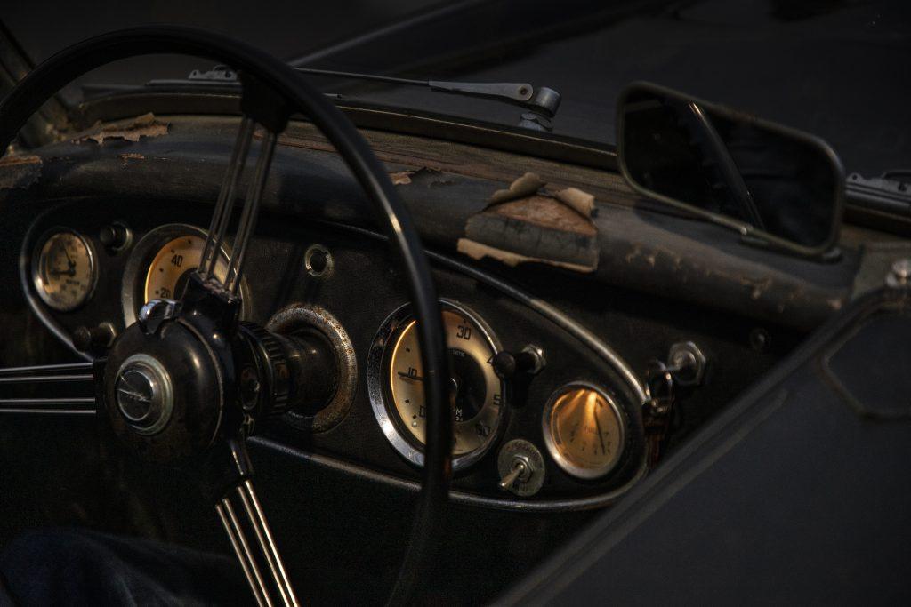 Austin-Healey dash detail