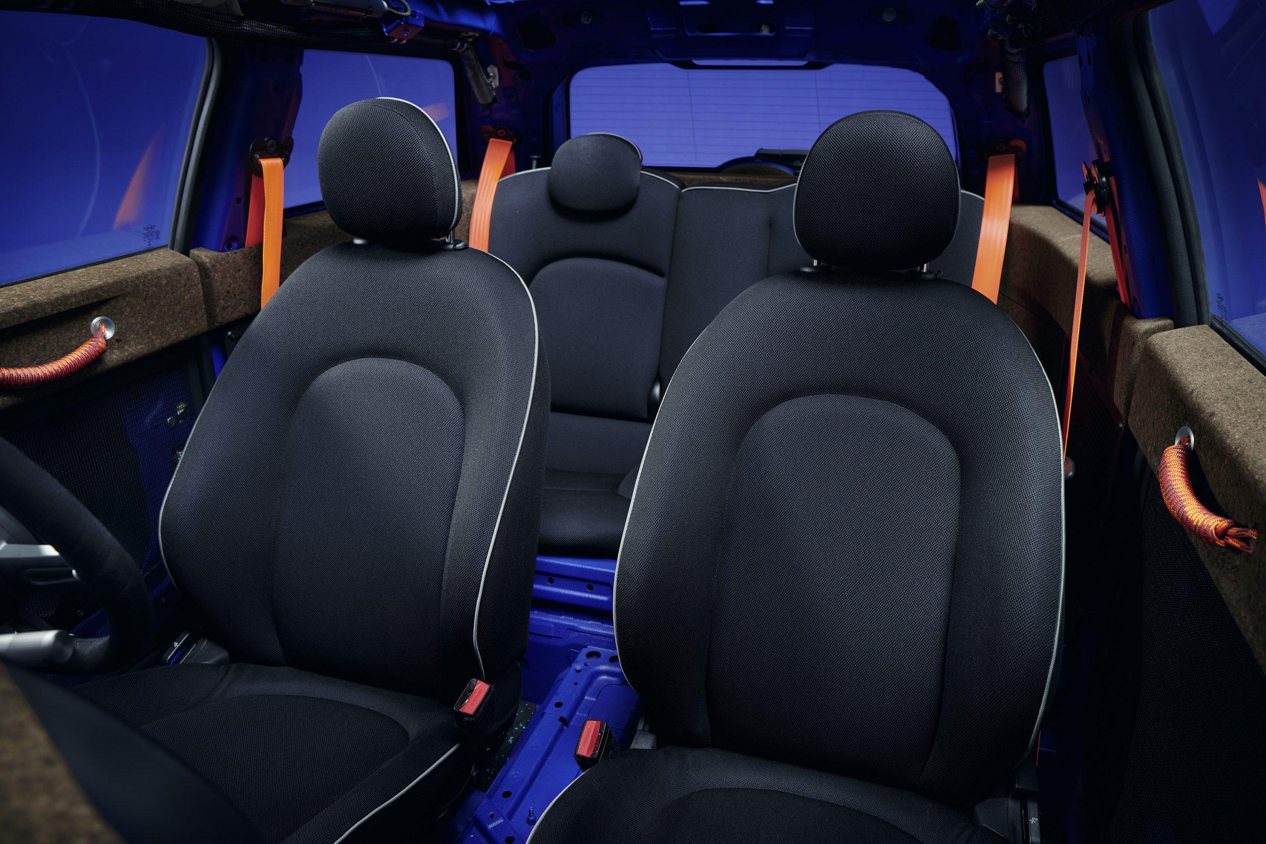 Mini Strip interior