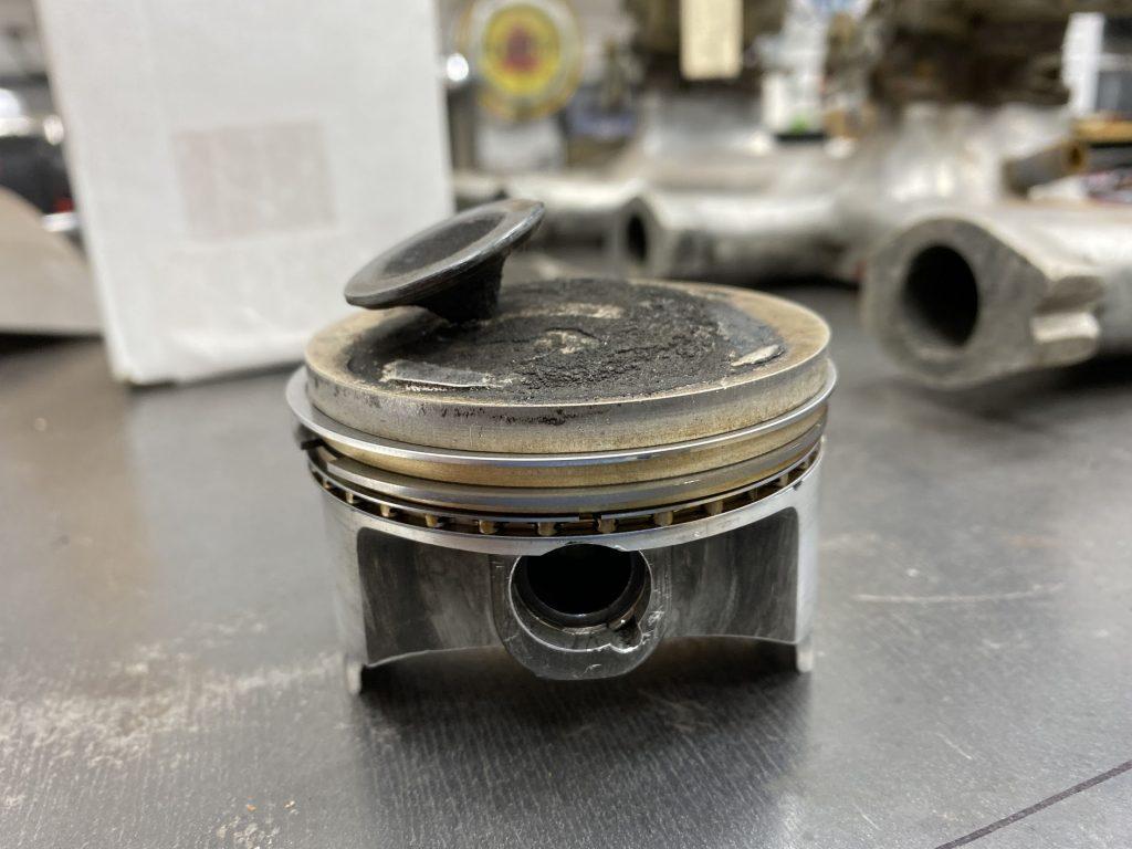 valve in piston