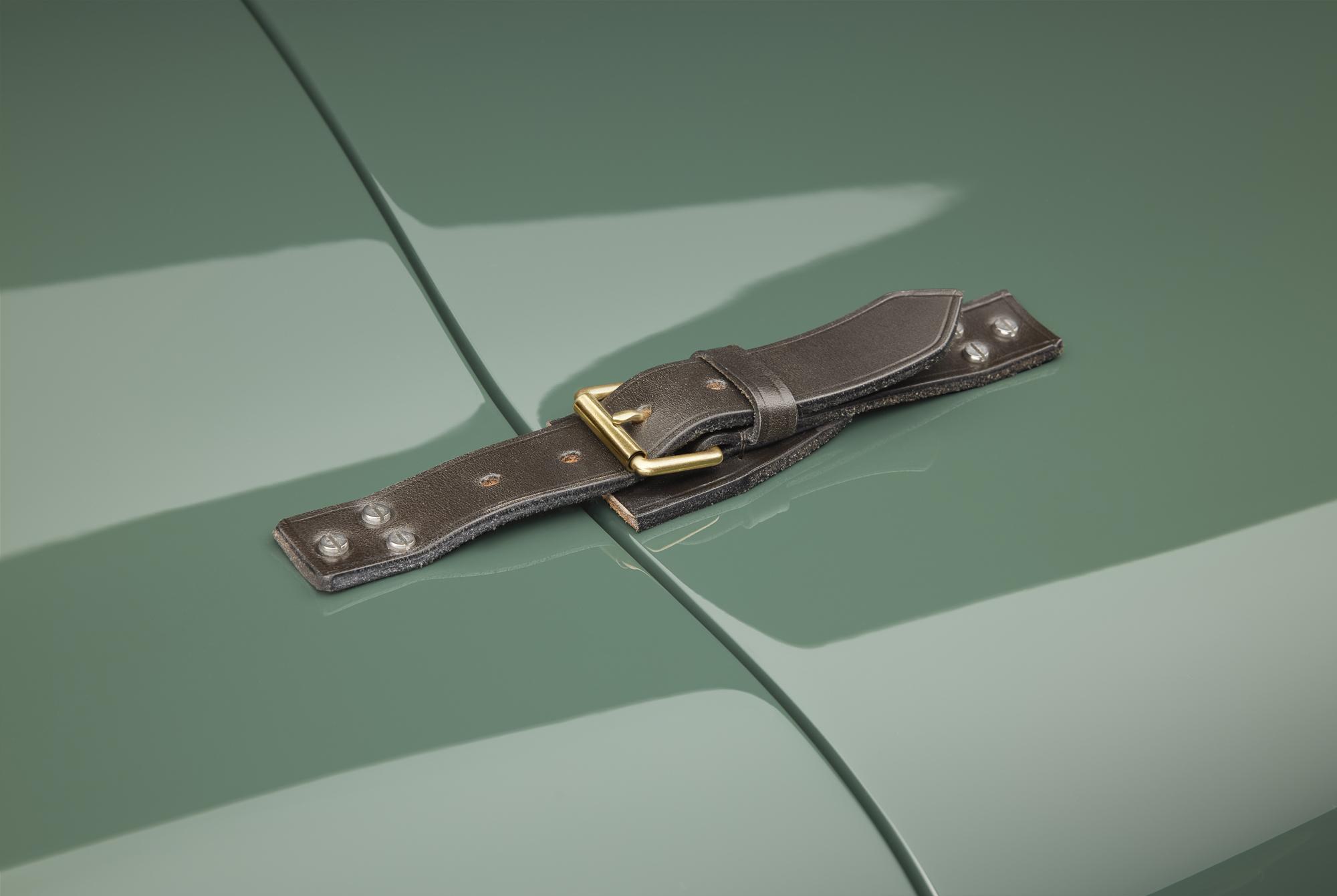 Jaguar C-type continuation hood strap