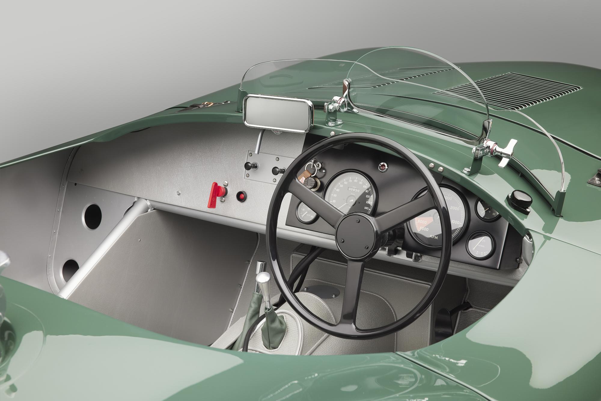 Jaguar C-type continuation cockpit
