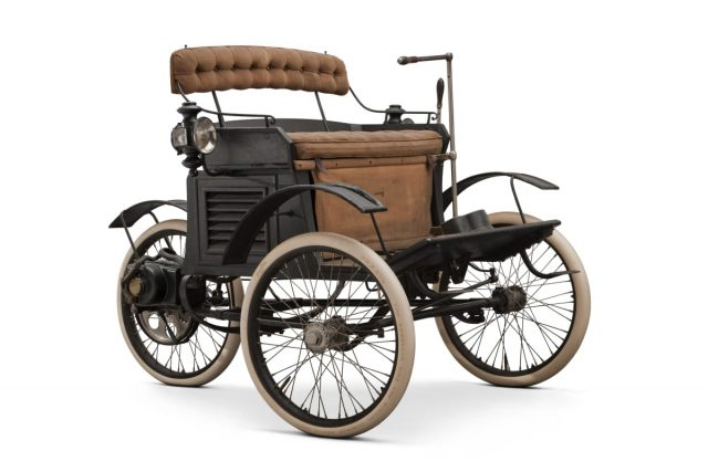 1896 Riker Electric Tricycle front three-quarter