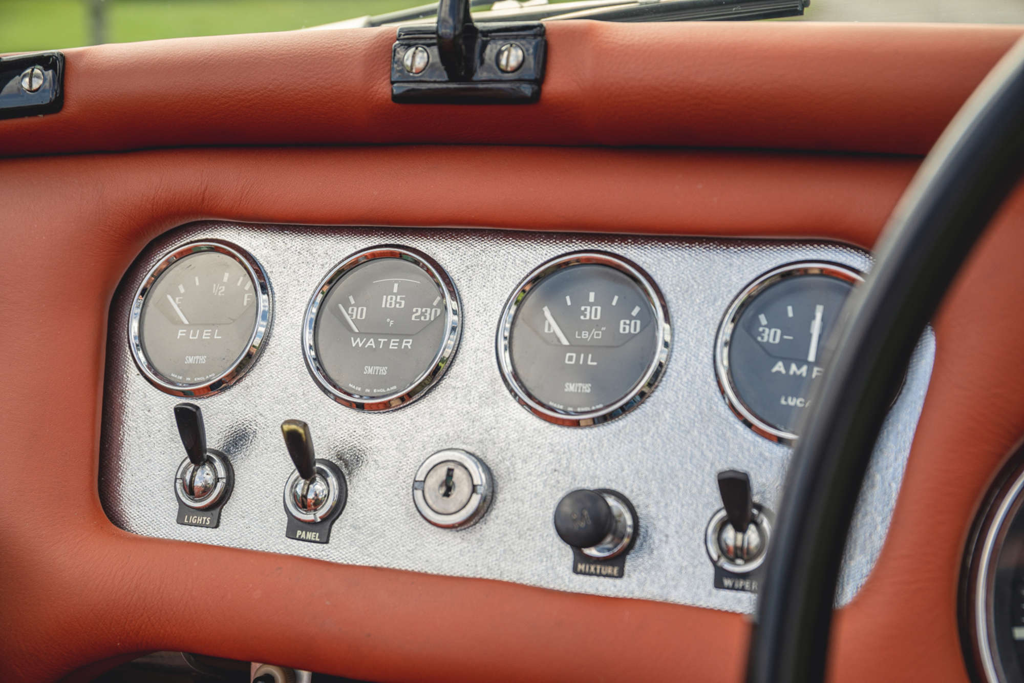 1961 Daimler SP250 Ex Metro Police interior gauges