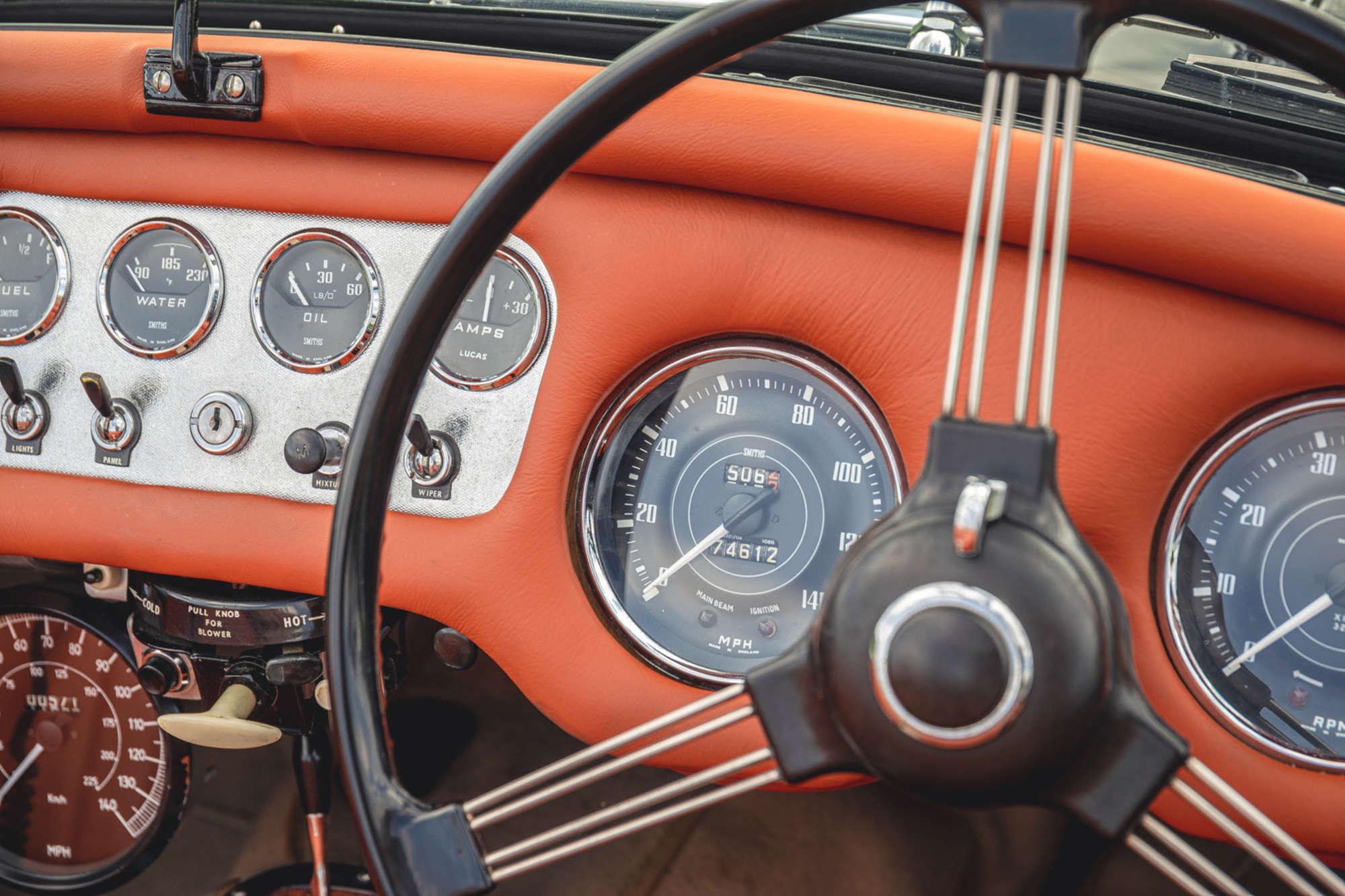 1961 Daimler SP250 Ex Metro Police interior dash