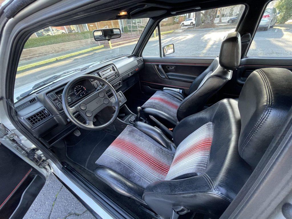 1987 Volkswagen Golf GTI 16V interior