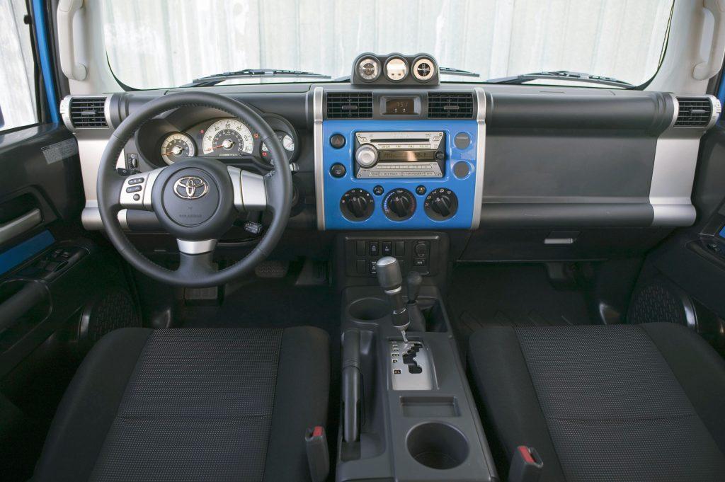 2007 FJ Cruiser interior