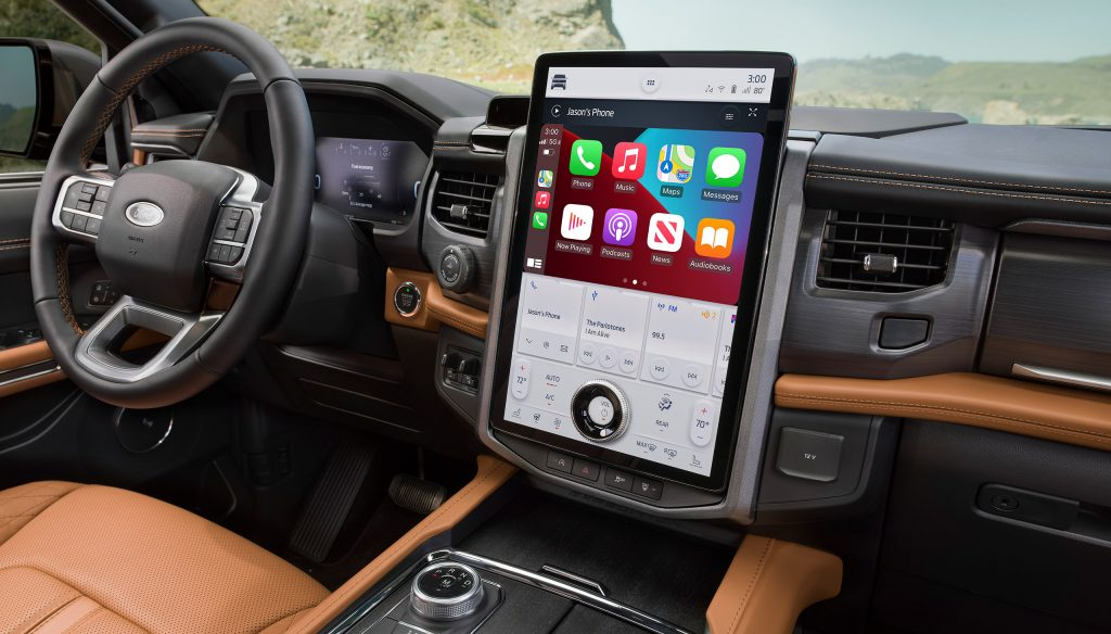 2022 Ford Expedition Limited interior big screen