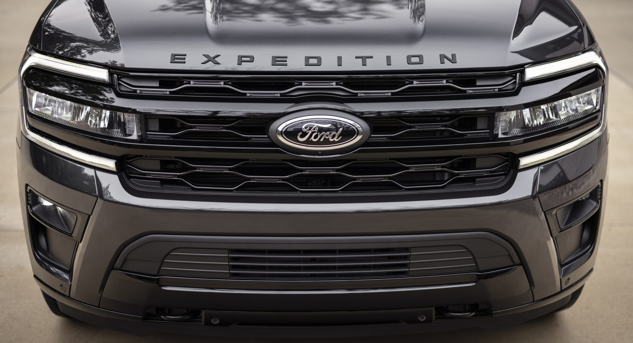 2022 Ford Expedition Stealth Performance front end