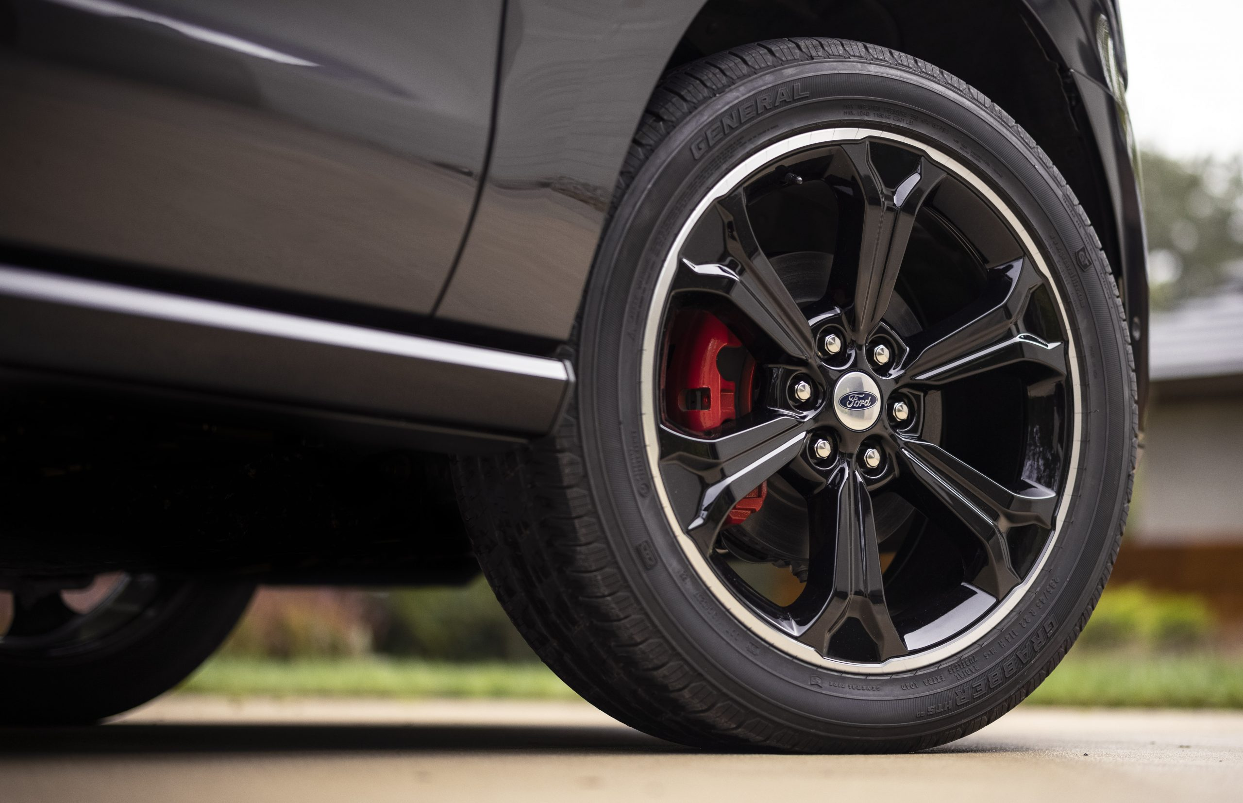 2022 Ford Expedition Stealth Performance Wheels