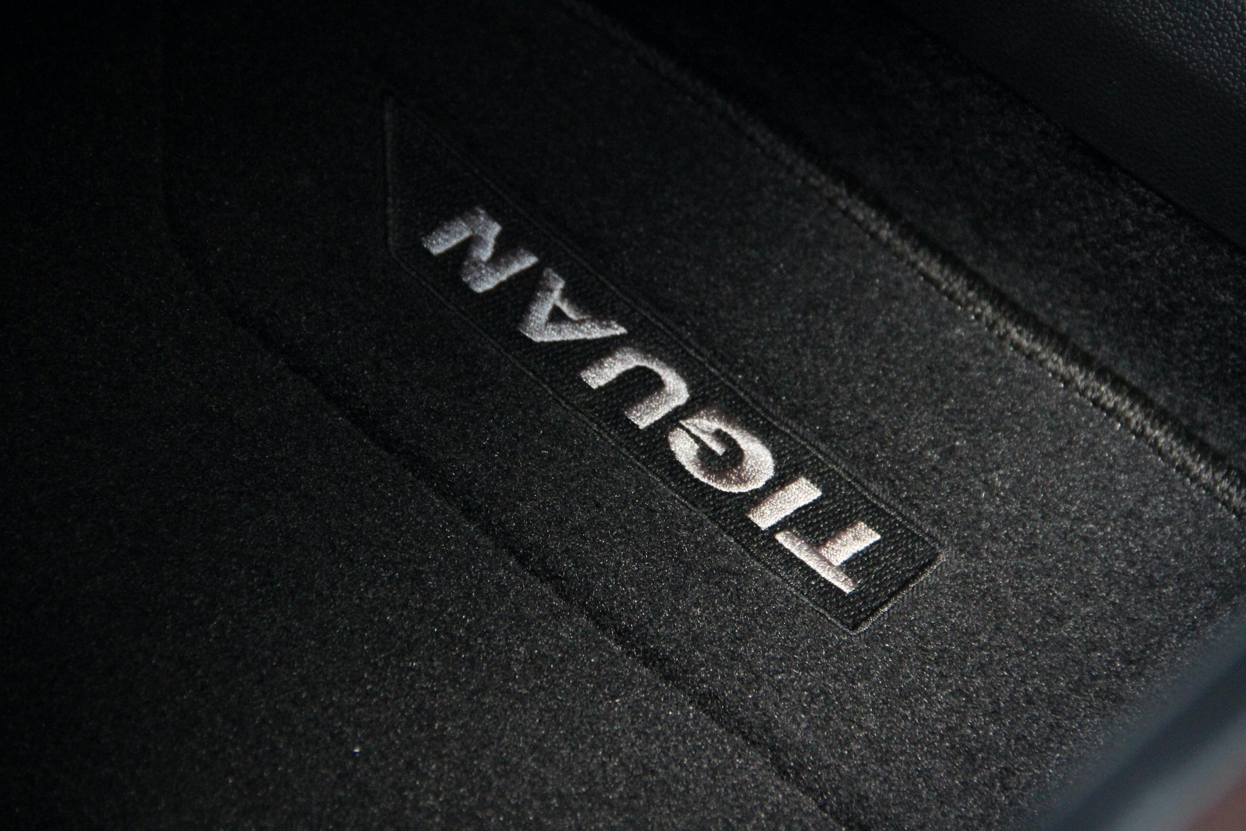 2022 VW Tiguan SEL R-Line floor mat detail