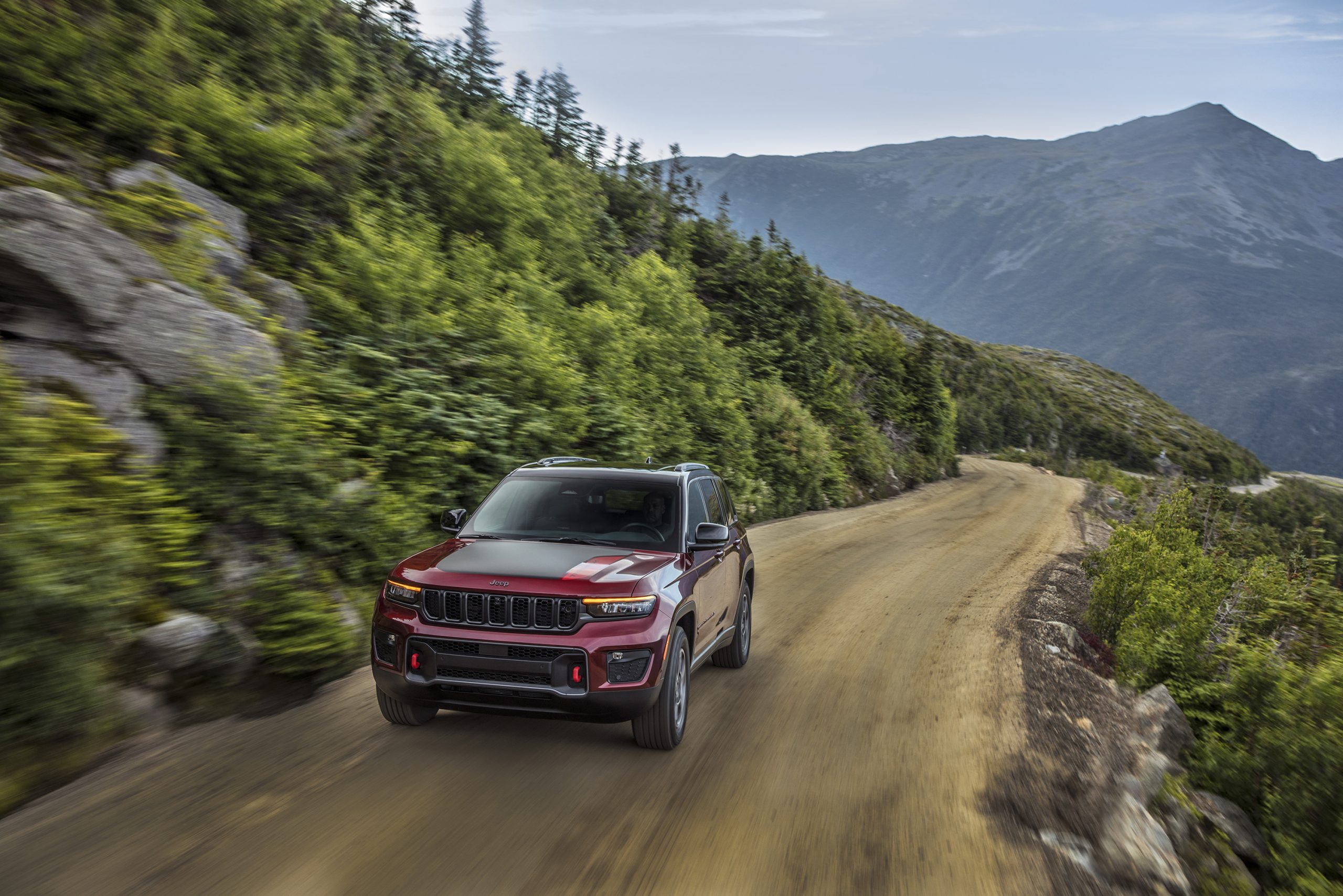 2022 Jeep Grand Cherokee Trailhawk up mountain road