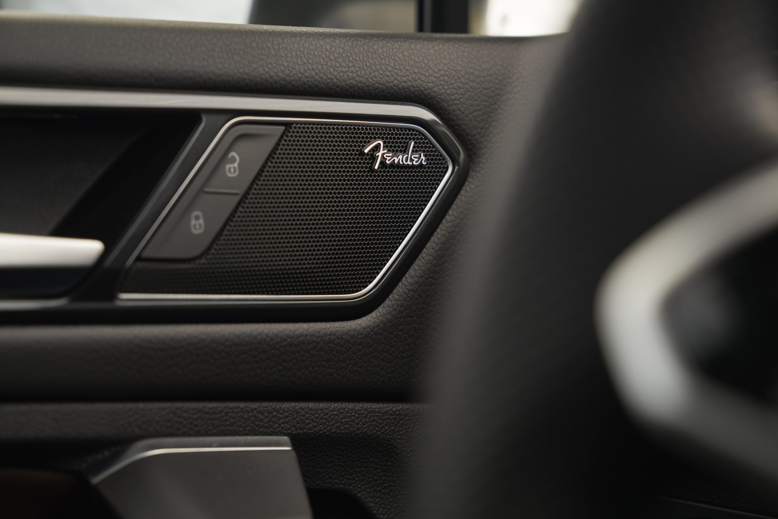 2022 VW Tiguan SEL R-Line fender audio