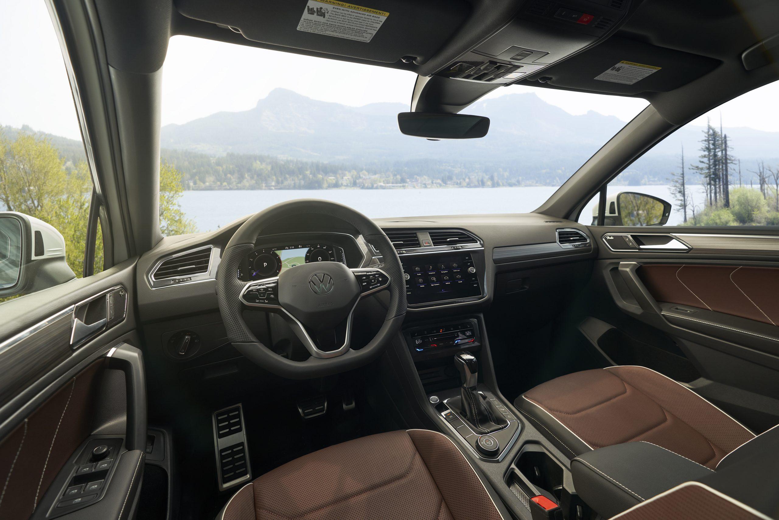 2022 VW Tiguan SEL R-Line interior