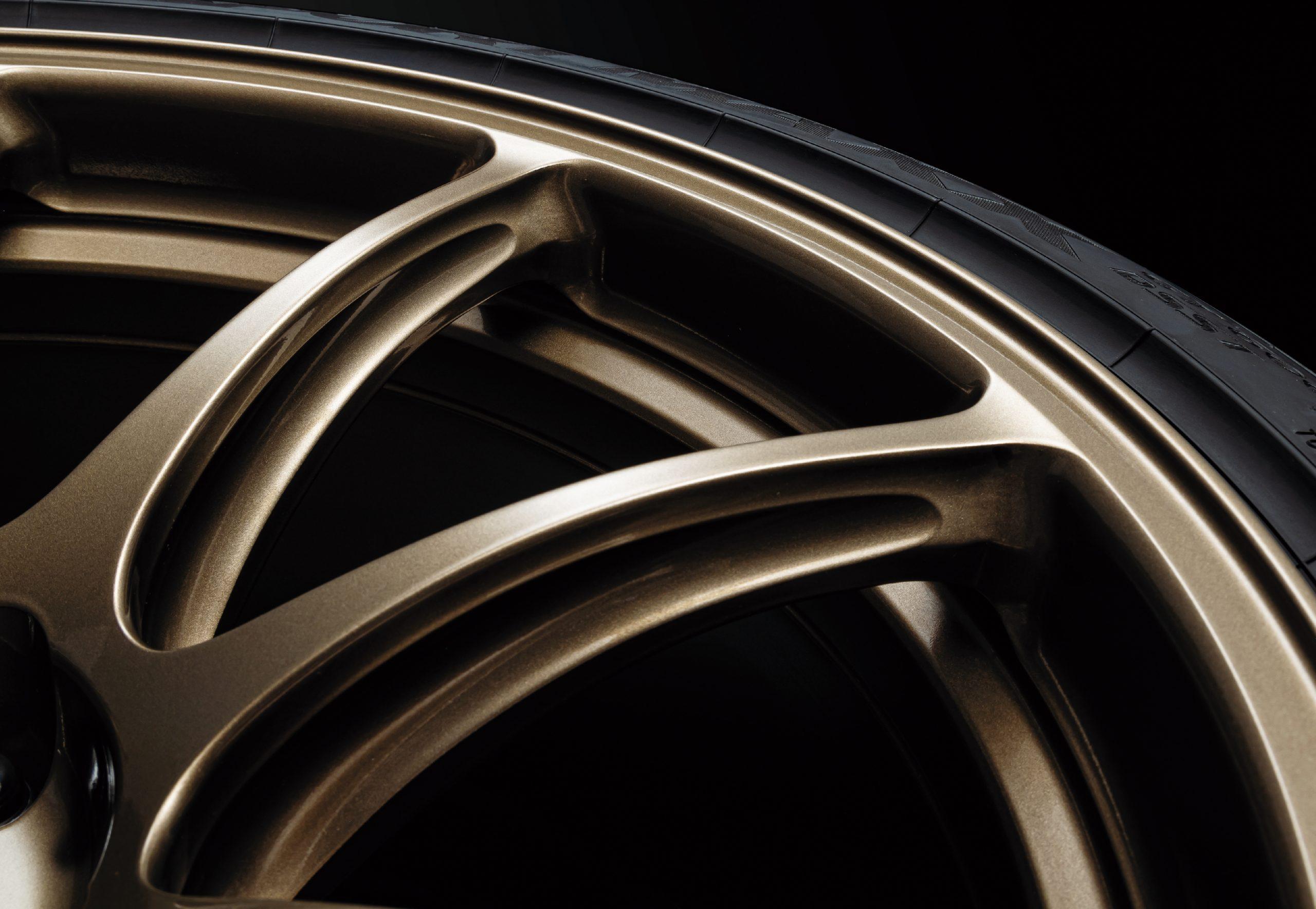 2022 Nissan GT-R Premium T-Spec bronze wheels