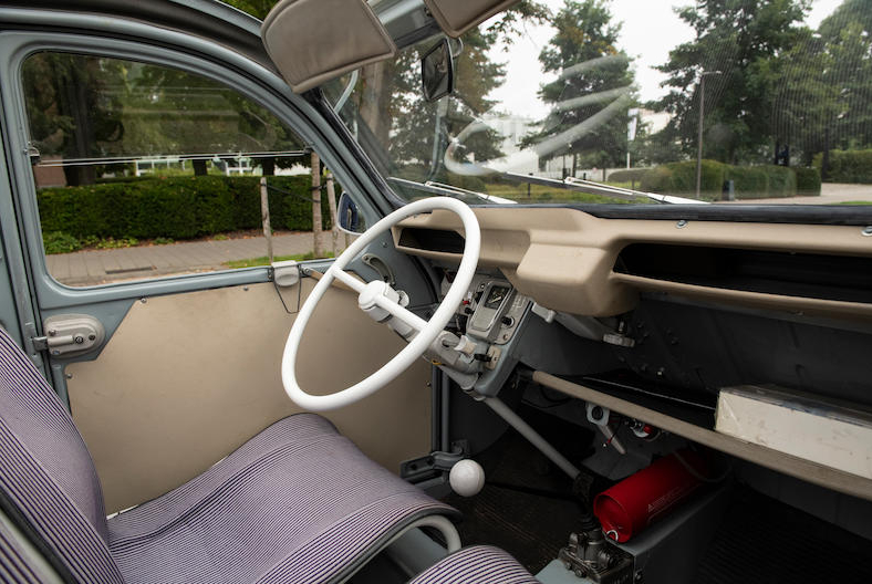 1966 Citroën 2CV Sahara AZ 4x4 interior