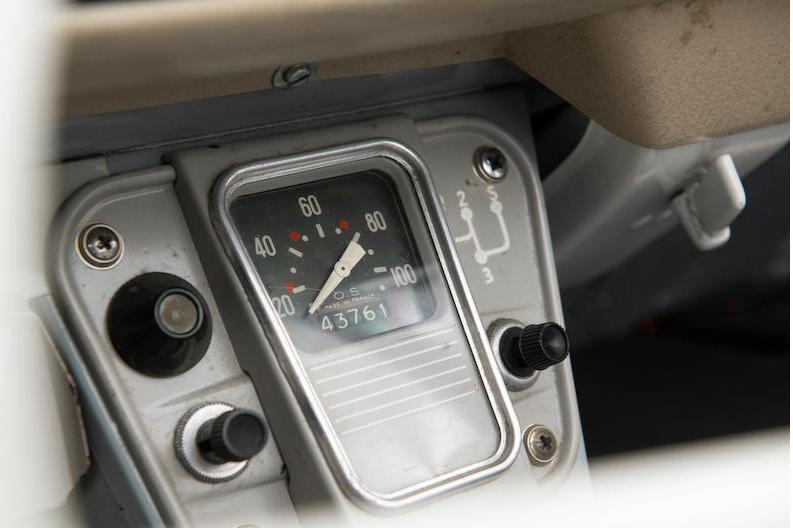 1966 Citroën 2CV Sahara AZ 4x4 speedometer