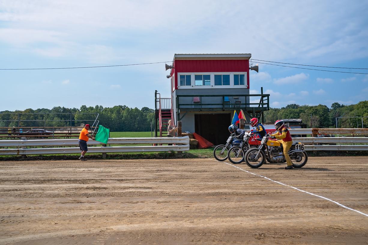 Kyle Smith Dirt Track start line