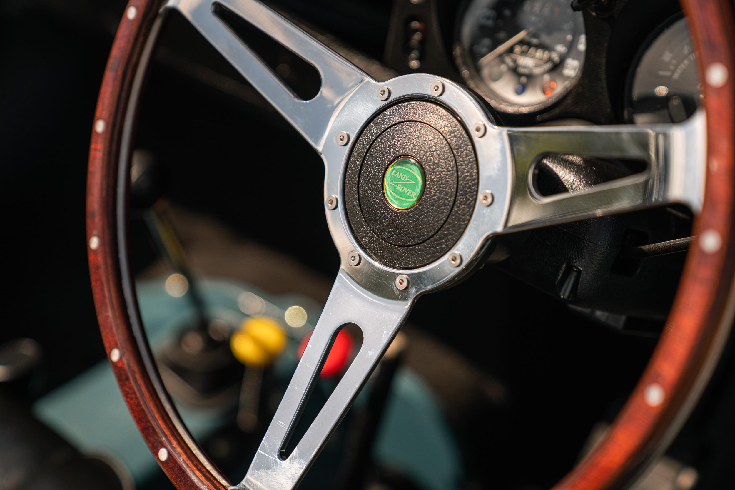 1982 Land Rover interior steering wheel