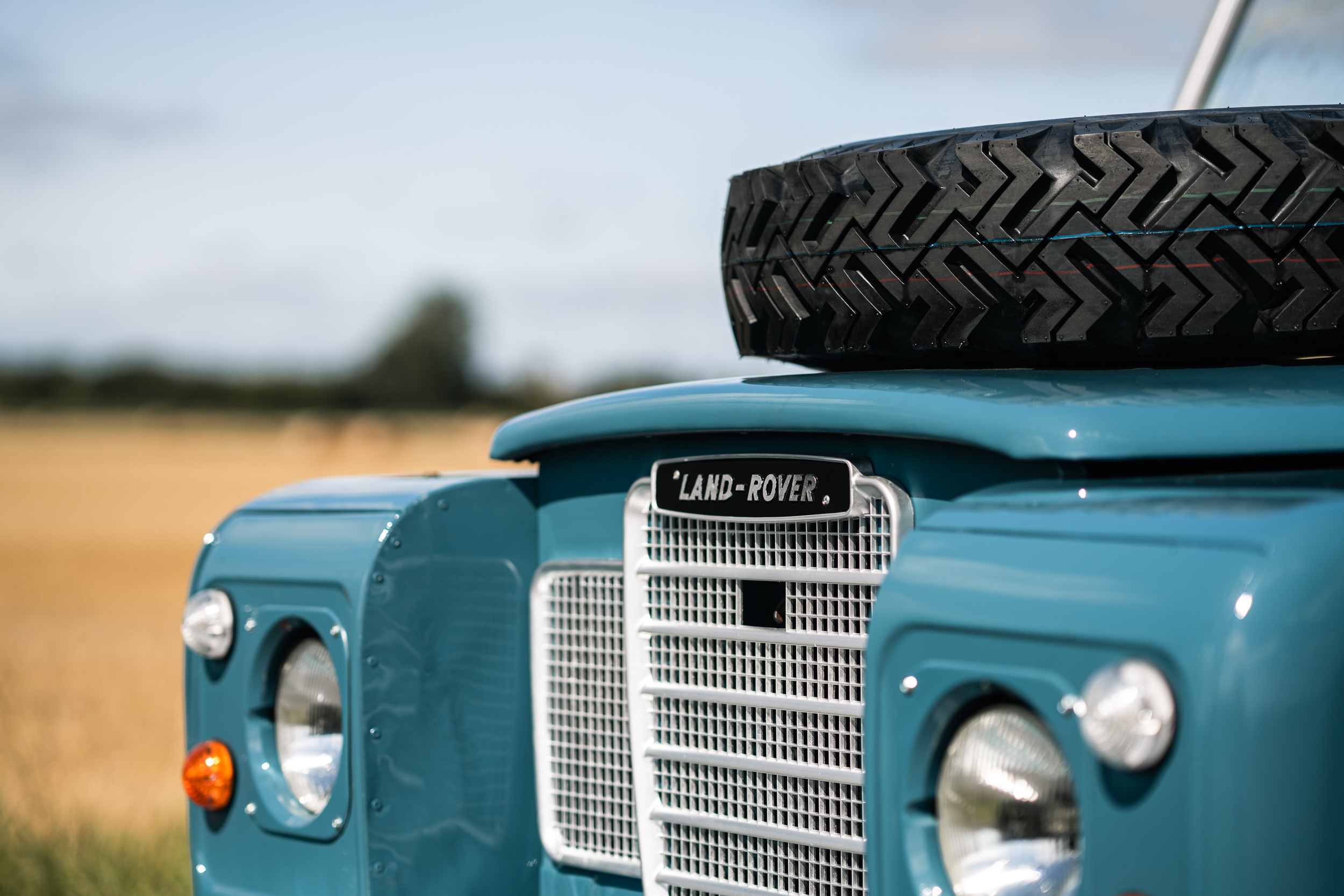 1982 Land Rover front end