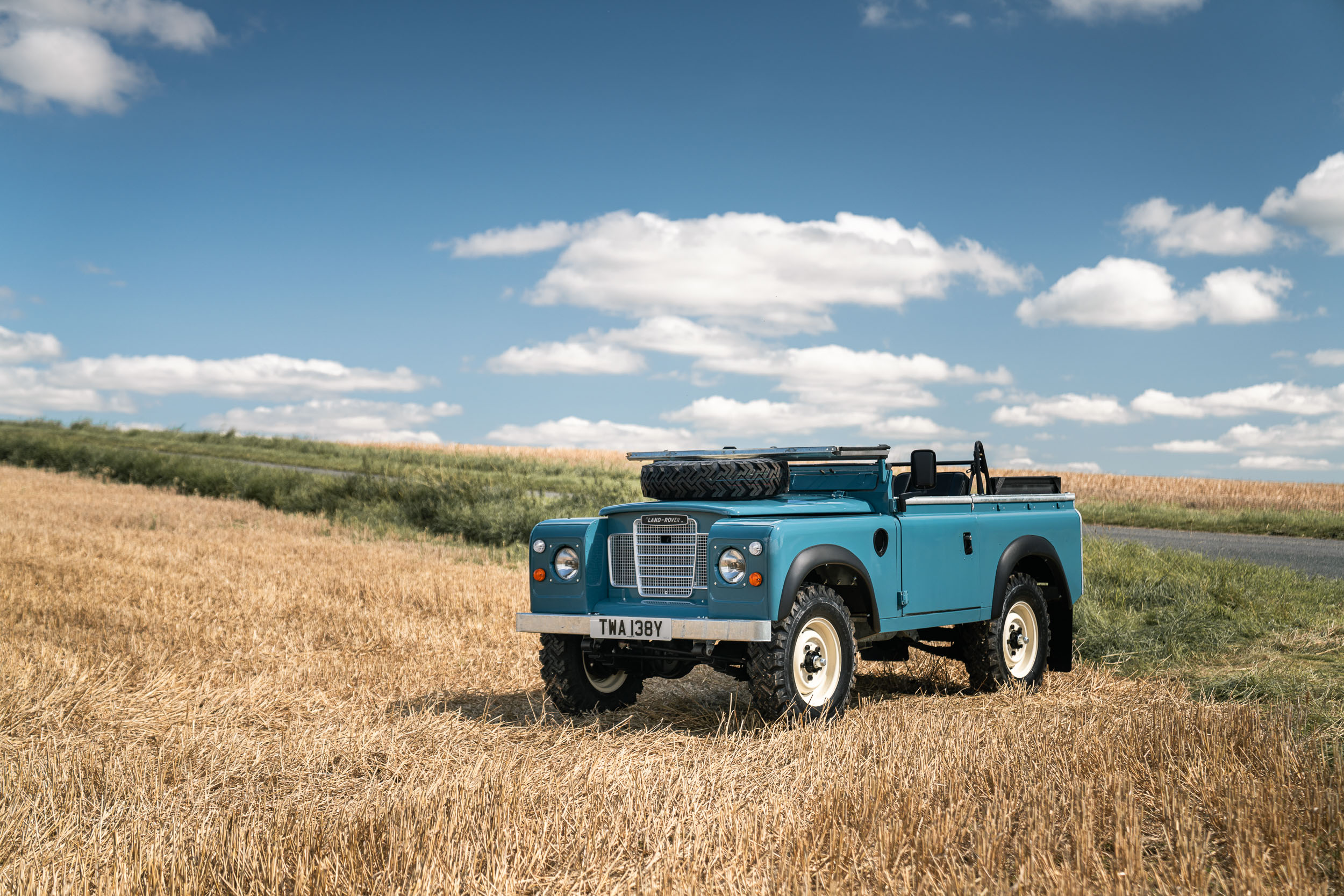 1982 Land Rover front three-quarter top down