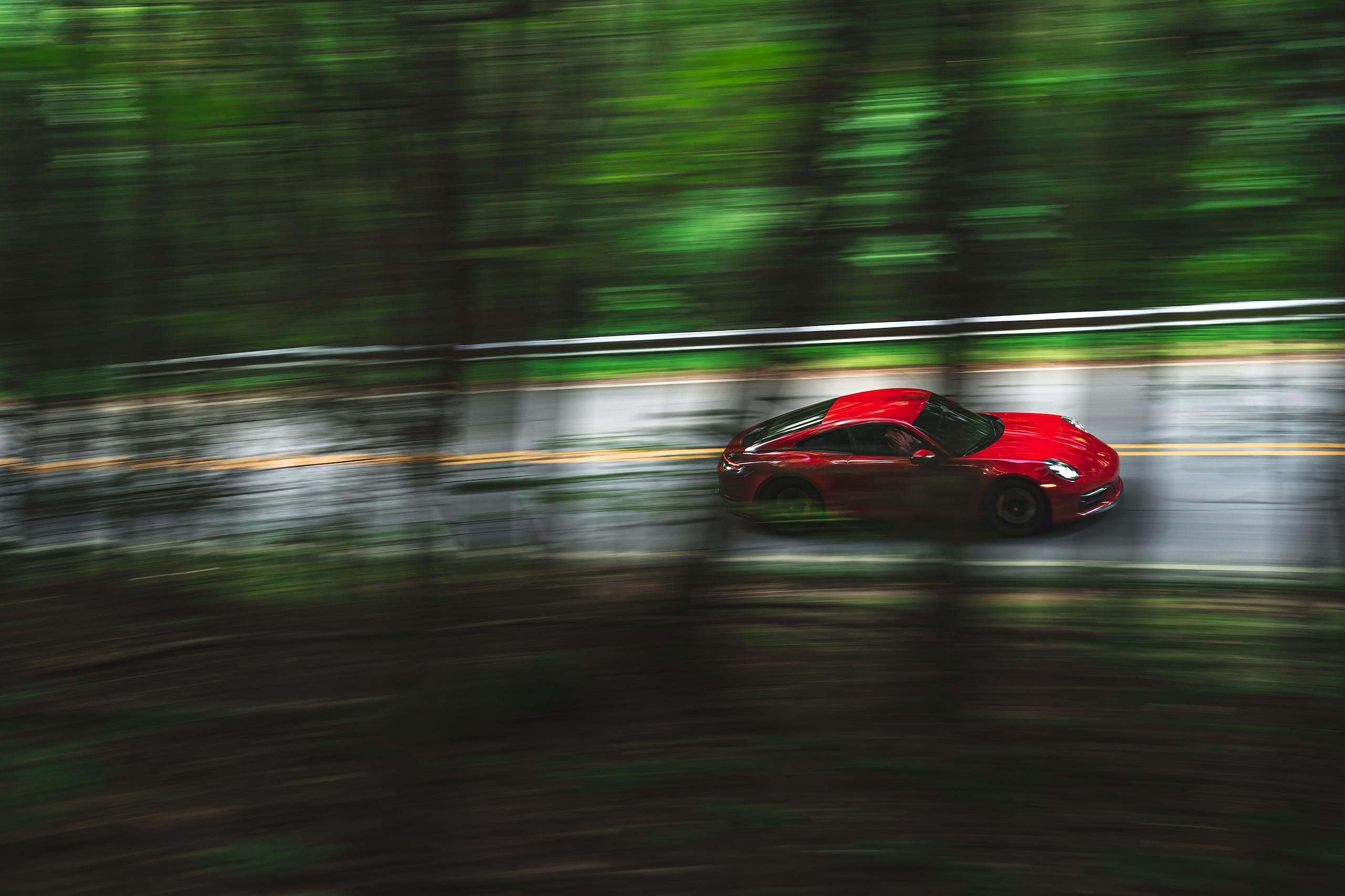 Porsche 911 GTS side dynamic action