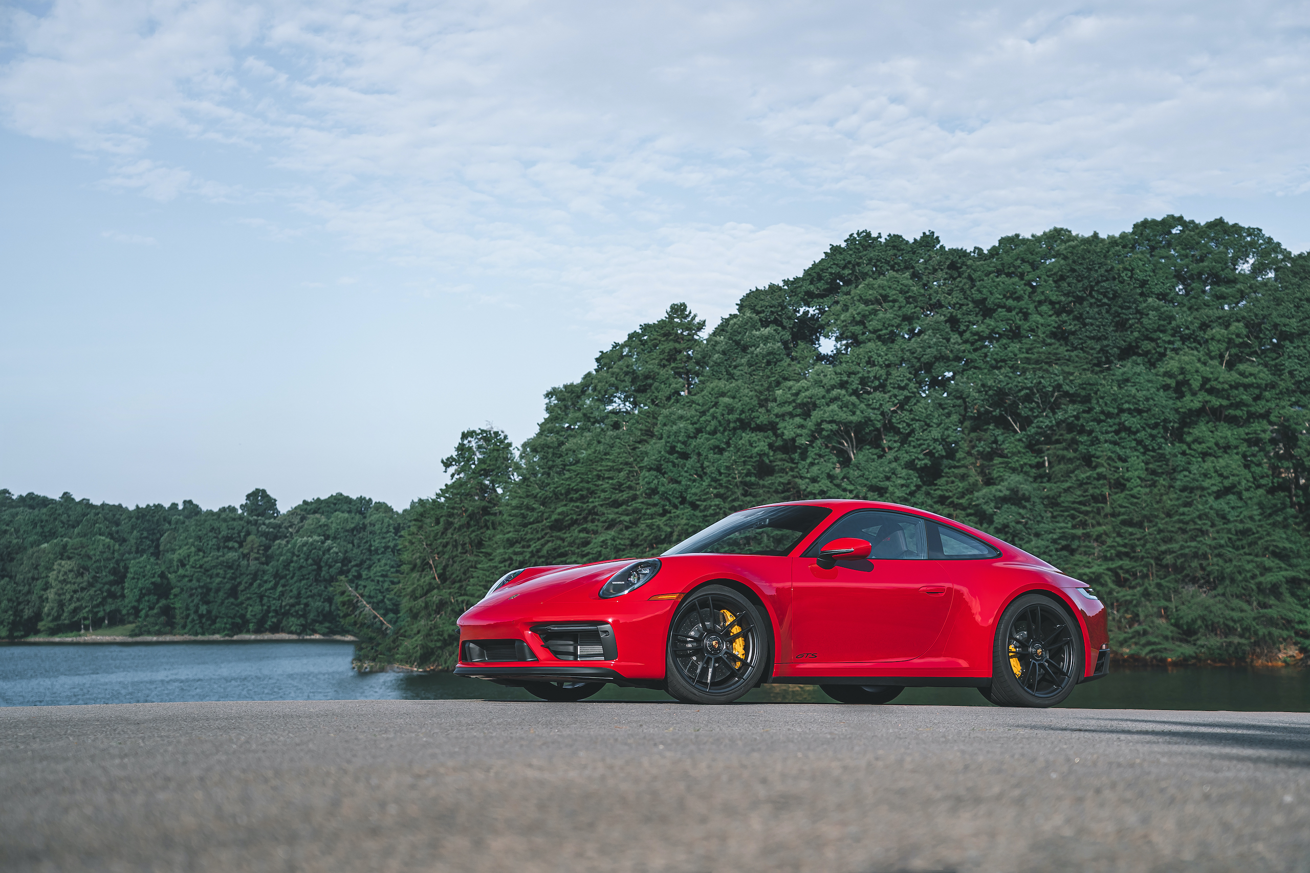 Porsche 911 GTS front three-quarter