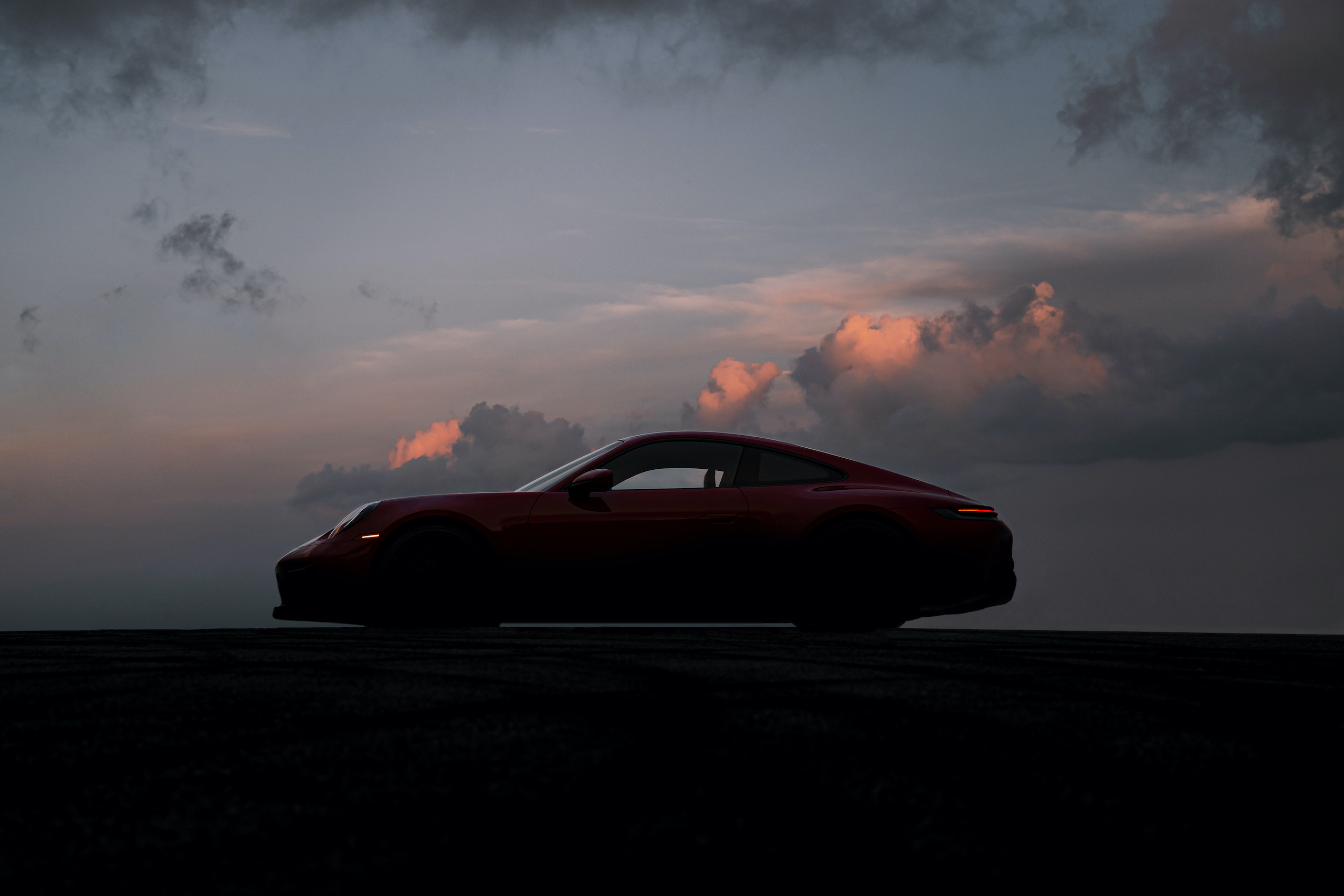 Porsche 911 GTS side profile silhouette
