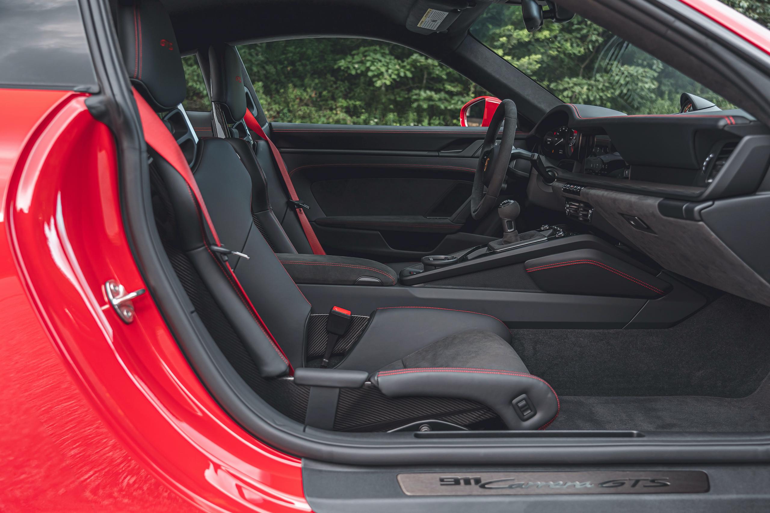 Porsche 911 GTS interior side profile