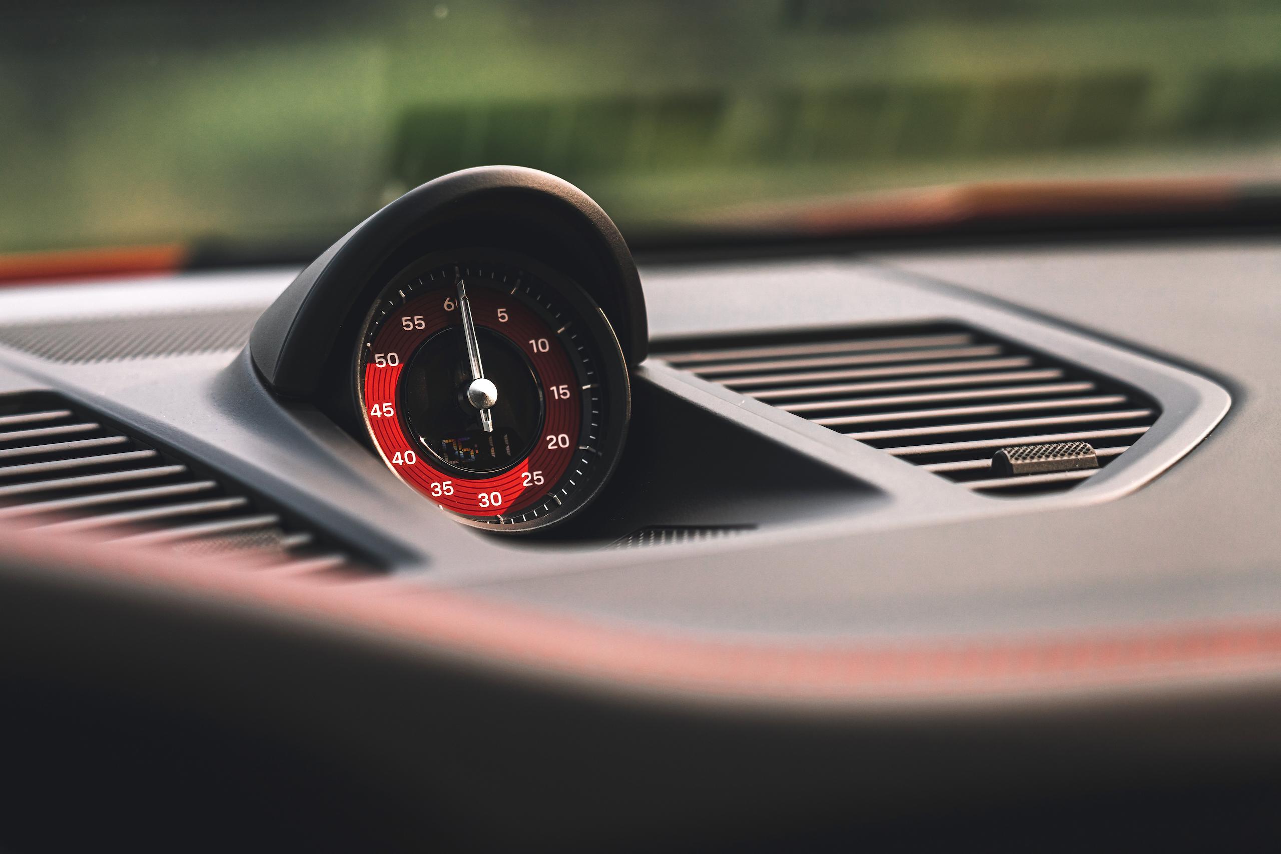 Porsche 911 GTS interior dash gauge