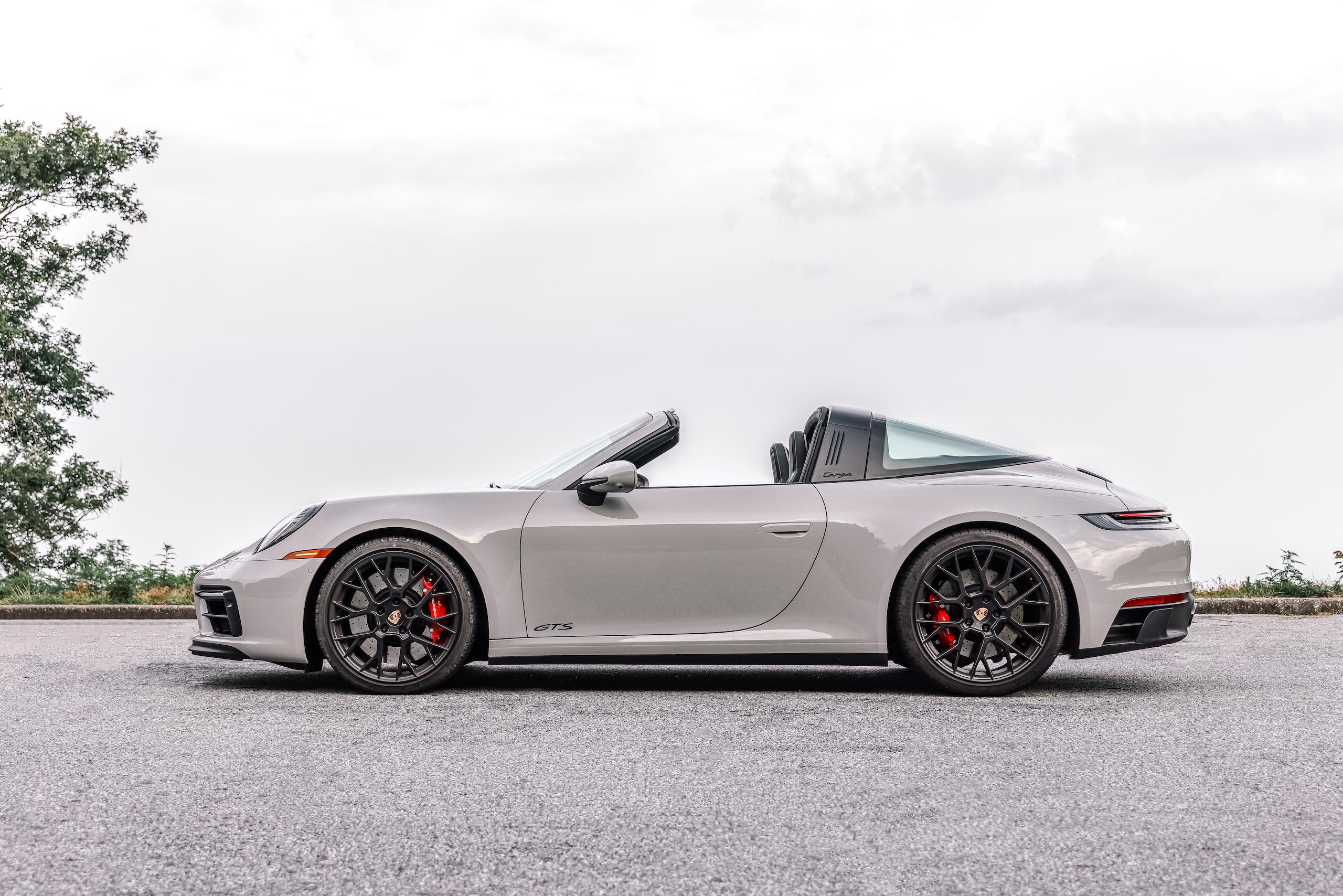 Porsche 911 Targa 4 GTS top down