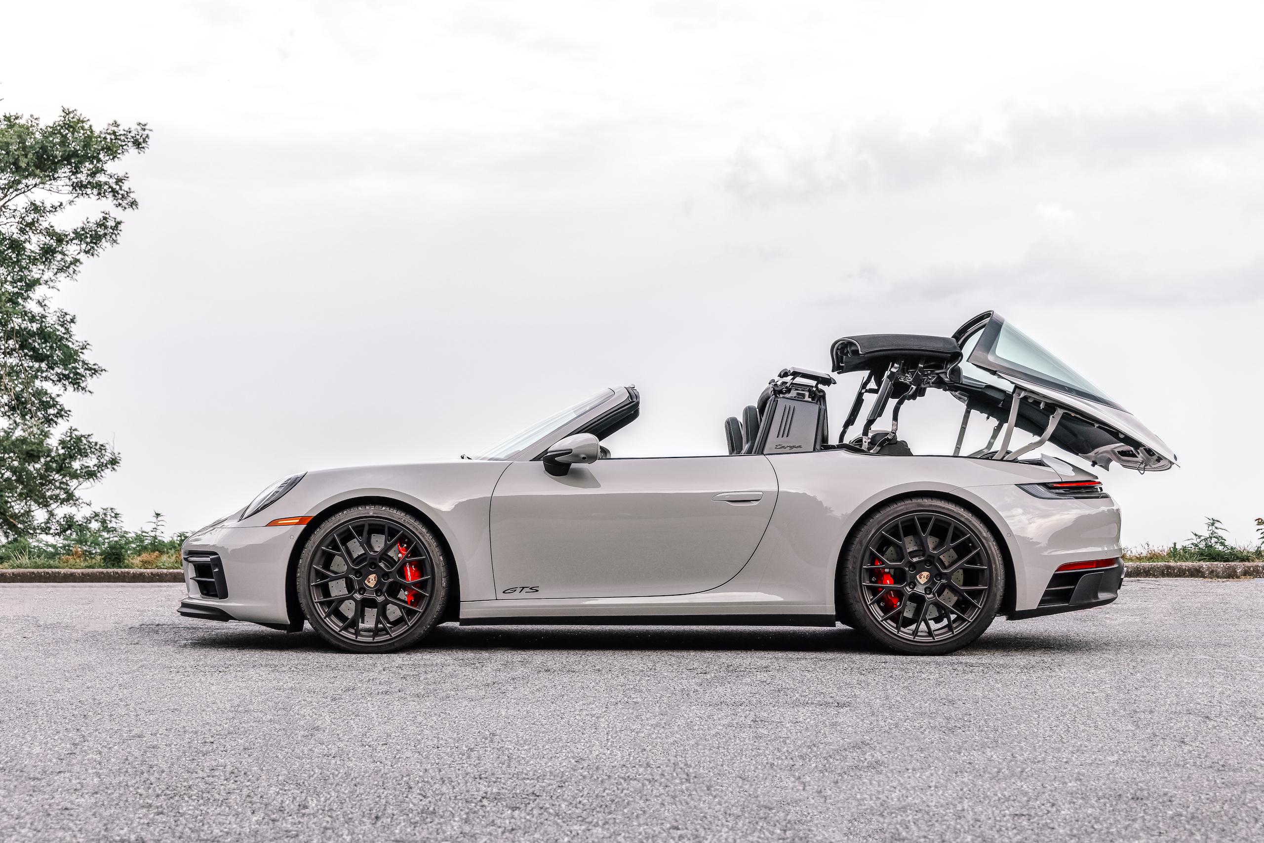 Porsche 911 Targa 4 GTS top action