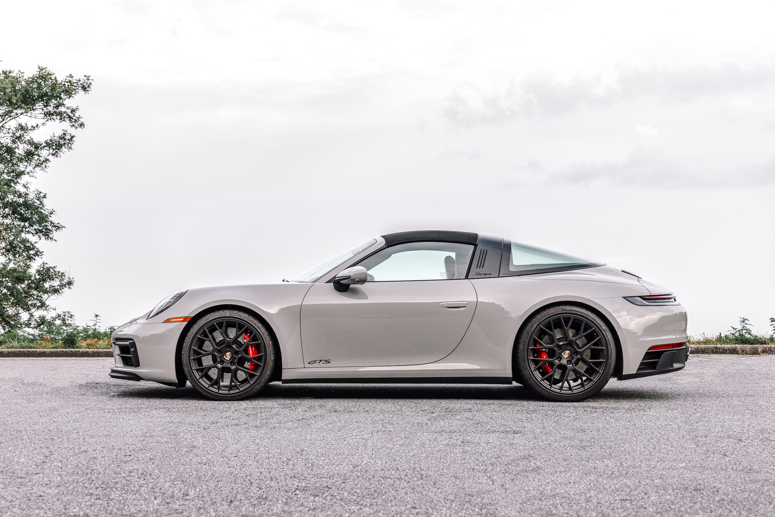 Porsche 911 Targa 4 GTS side profile top up