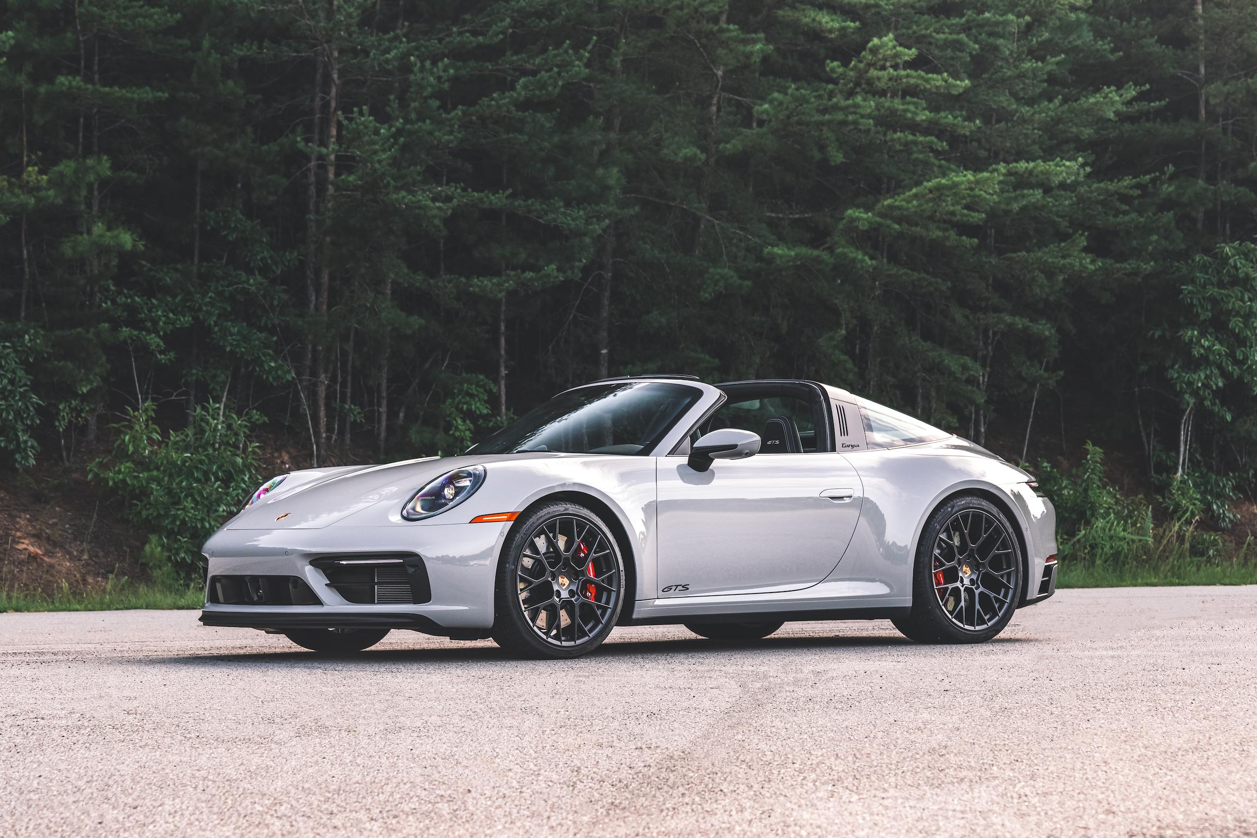 Porsche 911 Targa 4 GTS front three-quarter