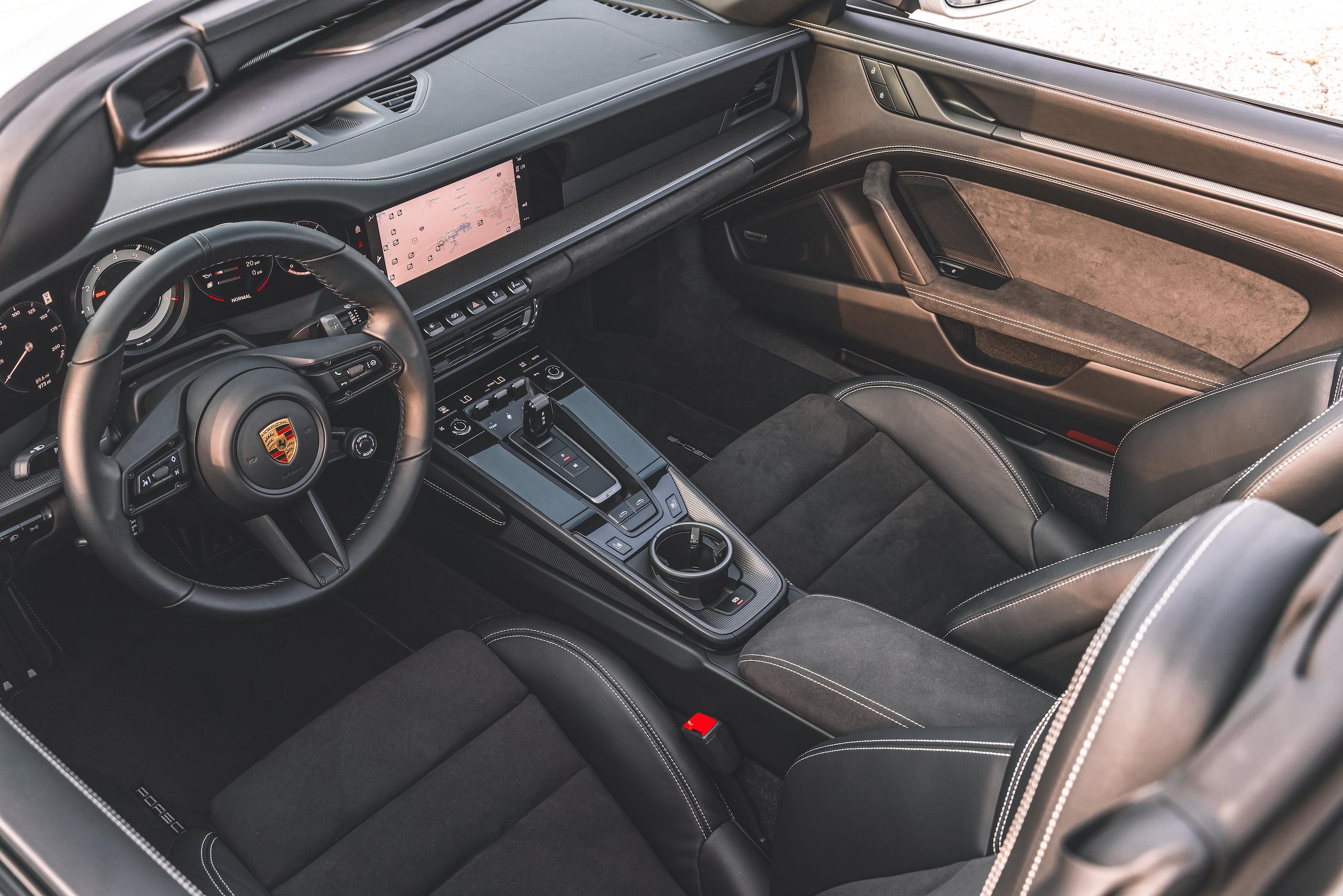 Porsche 911 Targa 4 GTS interior overview