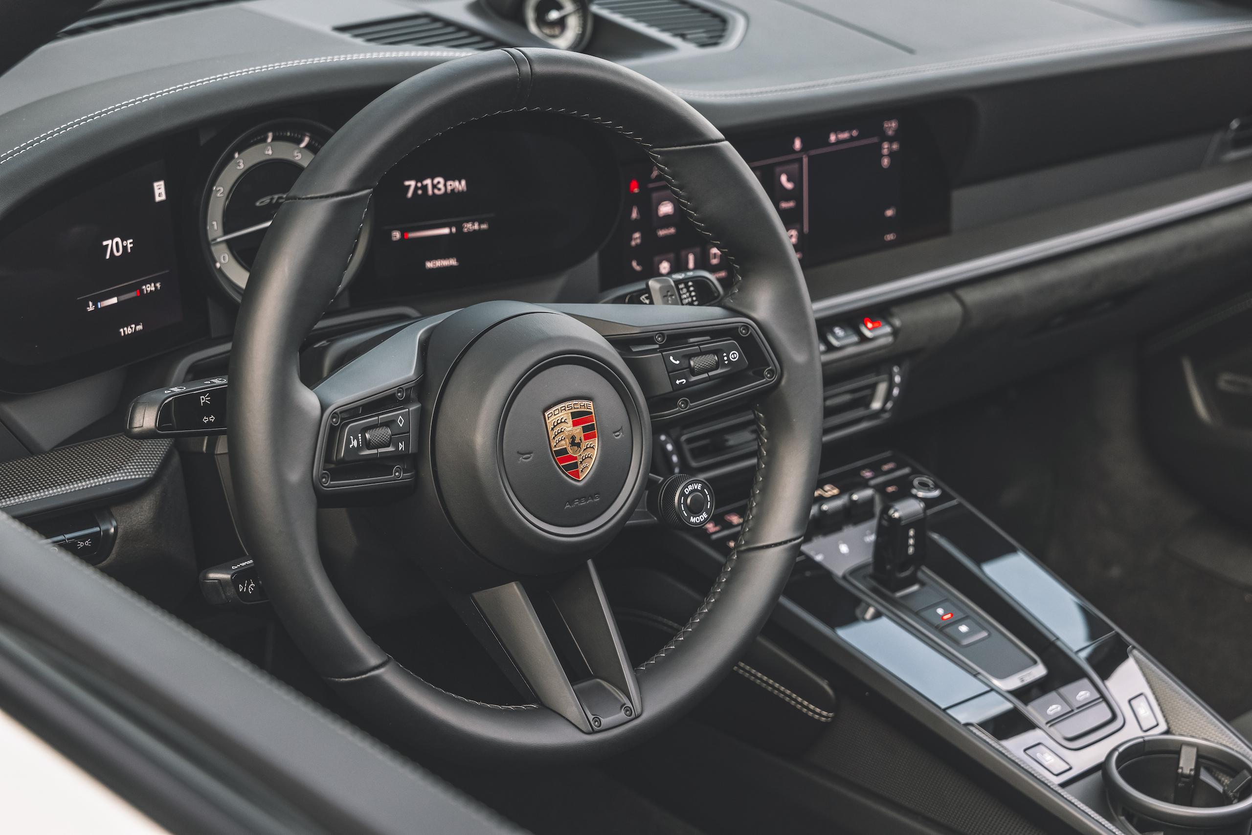 Porsche 911 Targa 4 GTS interior steering wheel