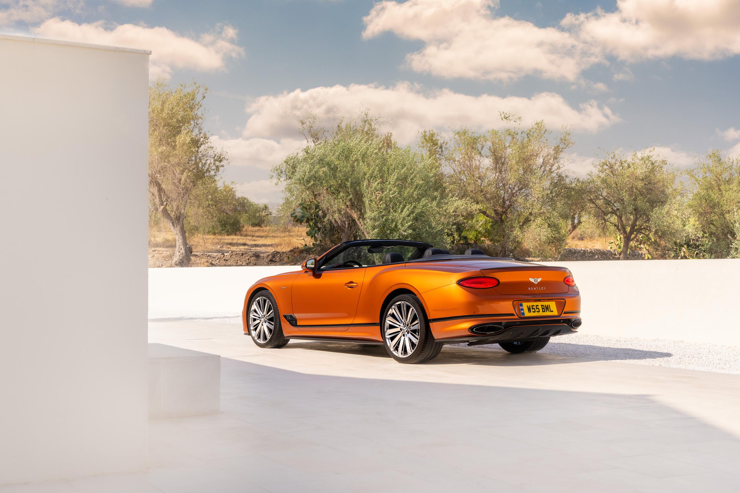 Bentley GT Speed Convertible rear three-quarter