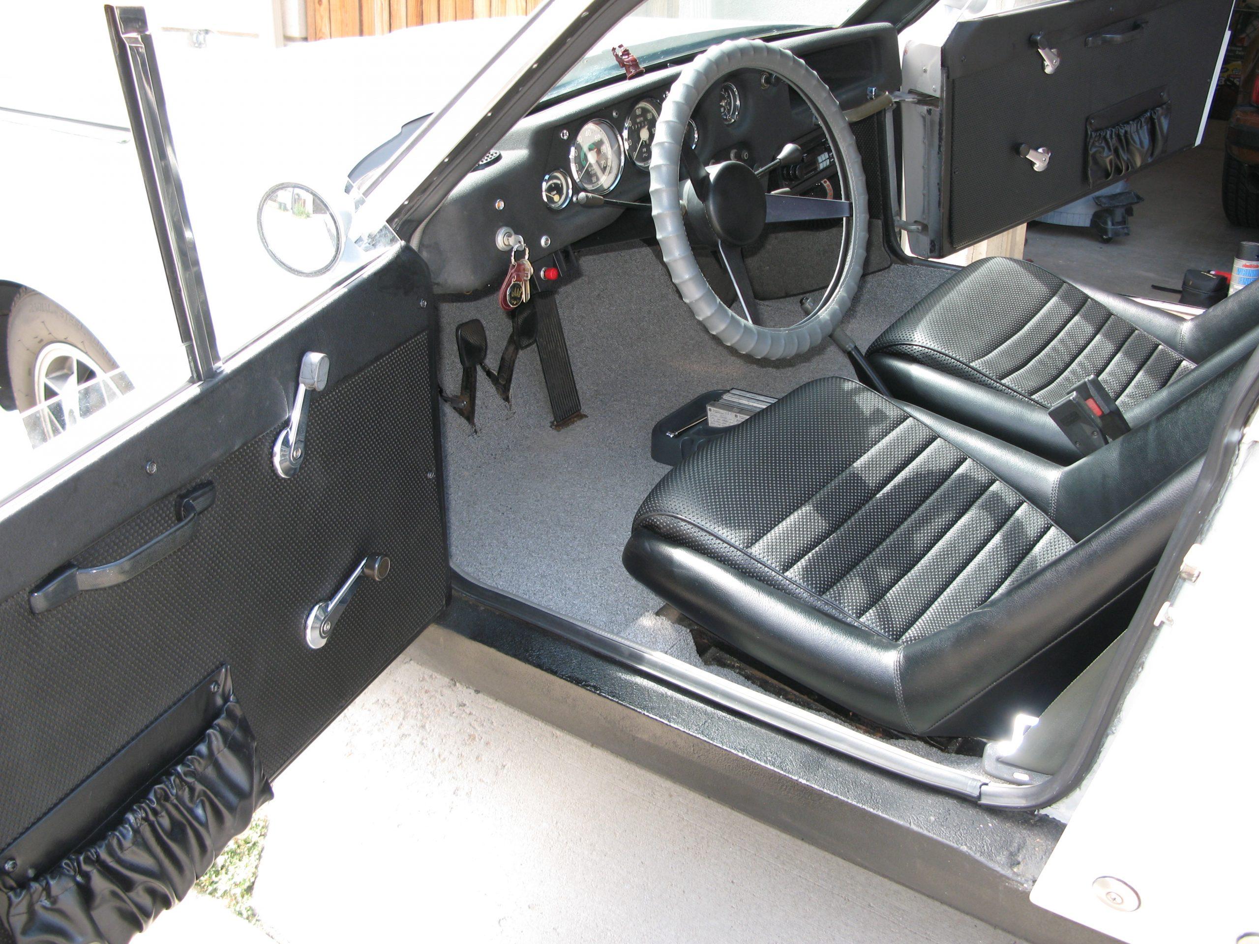 1968 SAAB Sonett V4 interior