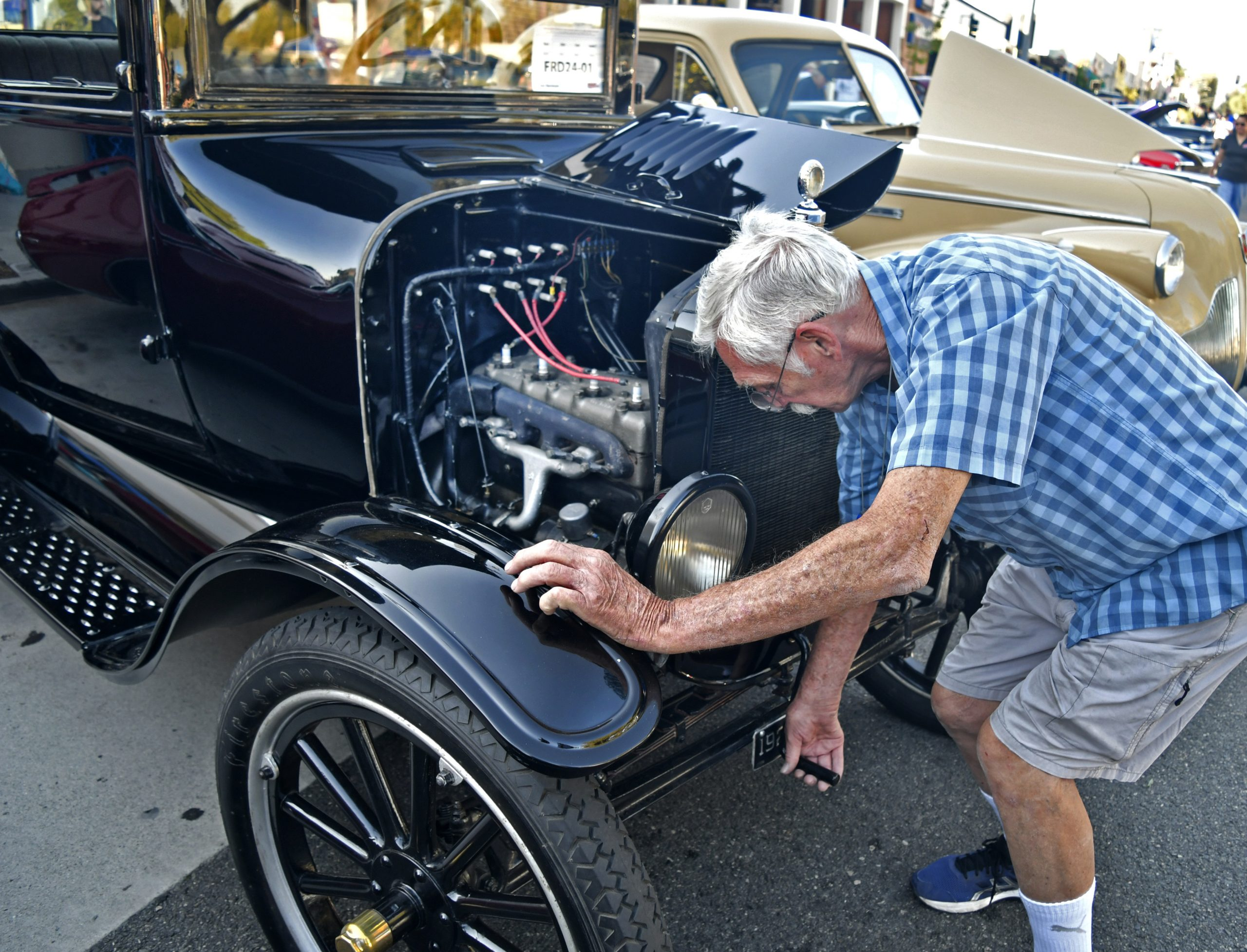 Route 66 Reunion model t ford engine cranking